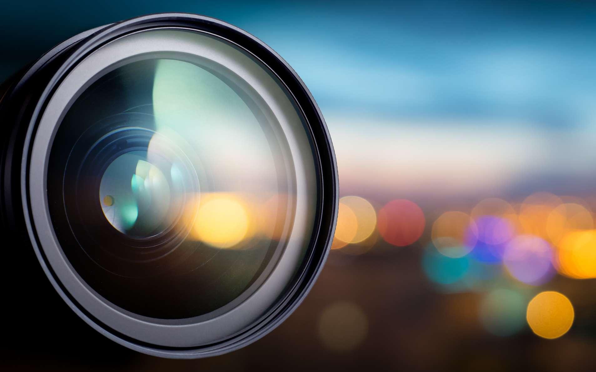 Les lentilles que l'on trouve aujourd'hui, entre autres dans les téléobjectifs de nos appareils photo, sont lourdes et encombrantes. Cela pourrait changer grâce à la découverte d'une équipe de chercheurs américains. © Triff, Shutterstock