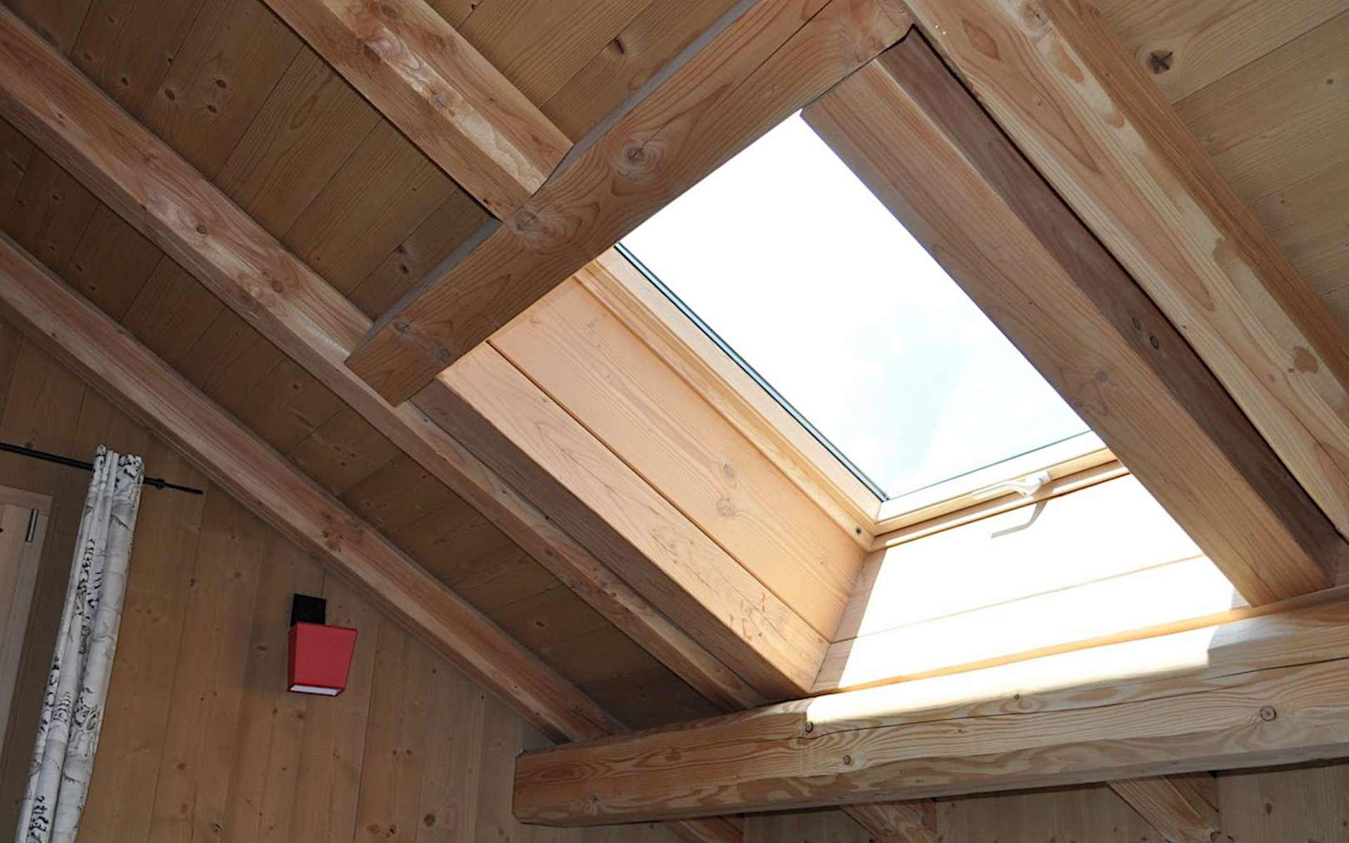 Chevêtre de trémie pour fenêtre de toit. © Charpente et Menuiserie de l'Oisans