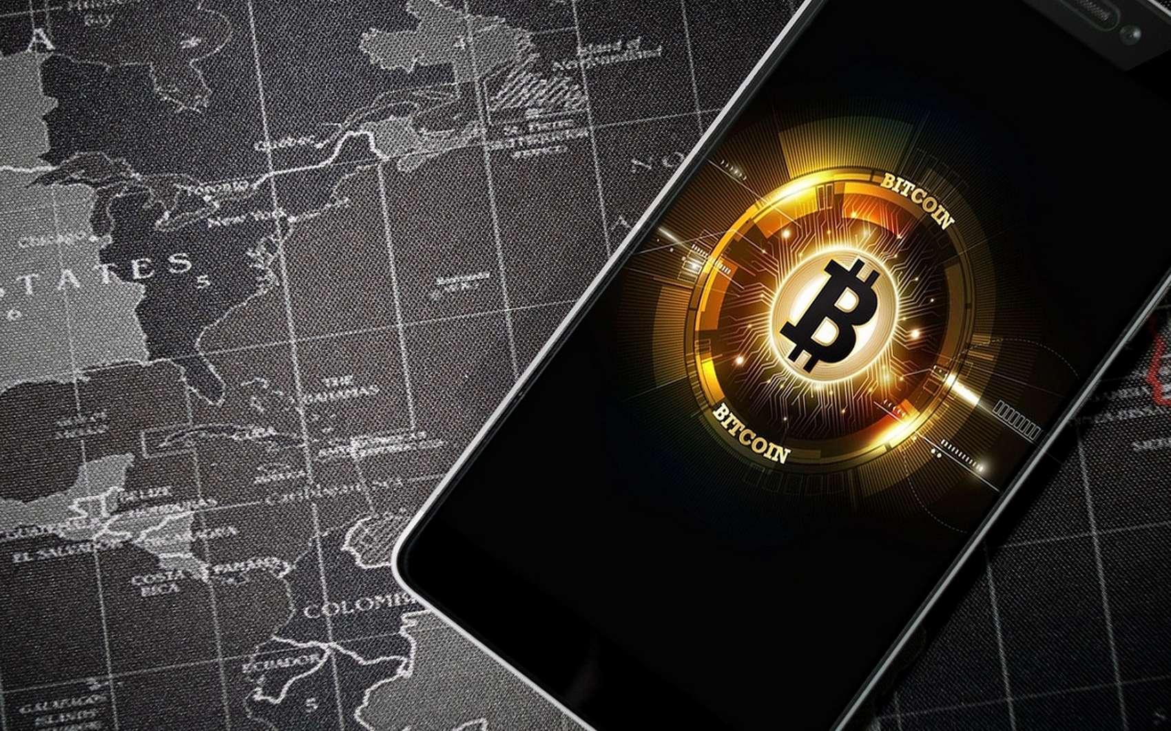 Anciennement, l'achat de bitcoins demandait des connaissances dans ce domaine. Aujourd'hui, on peut acheter cette devise numérique facilement, à l'aide d'un smartphone et d'une carte bleue. © Pixabay.com