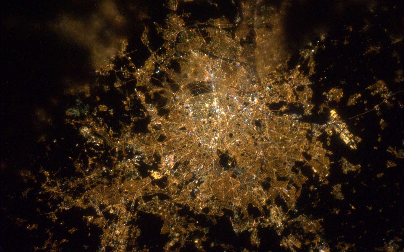 Paris by night. © Esa/Nasa