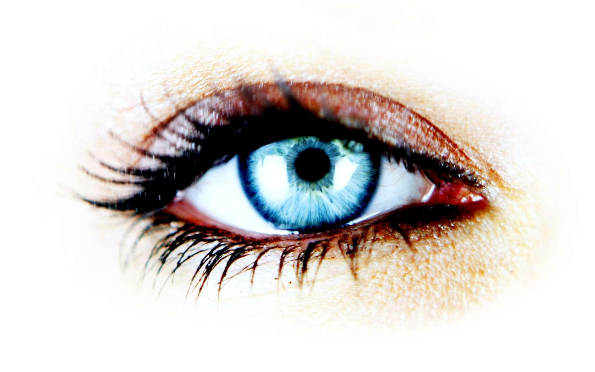 Les yeux secs, une gêne oculaire... qui peut conduire à une inflammation. © Phovoir