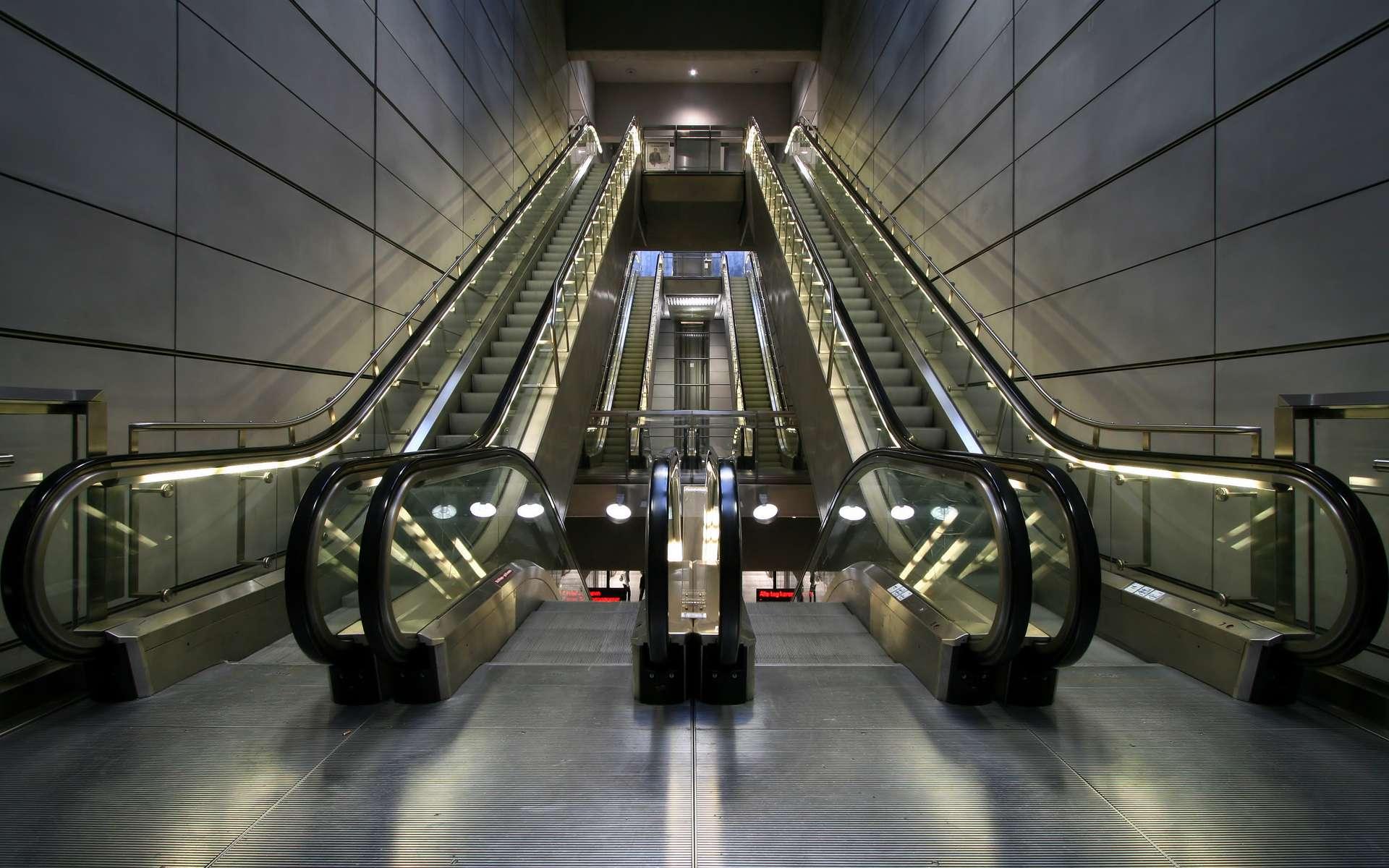 Jesse W Reno invente le concept d'escalier mécanique. © Stig Nygaard, CC BY 2.0, Wikimedia Commons