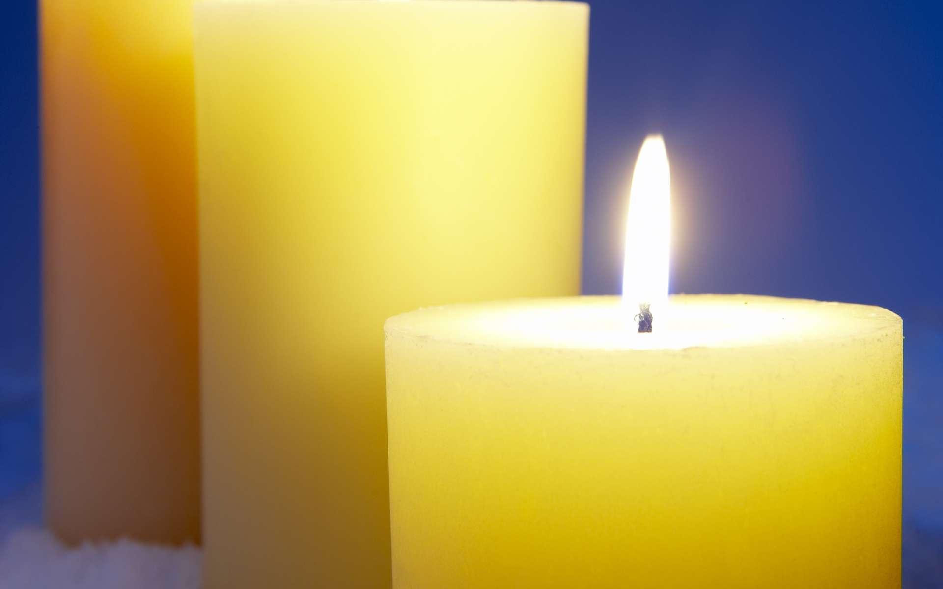 Un simple feu de cheminée ou une bougie peut être insupportable aux yeux d'un pyrophobe. © Phovoir