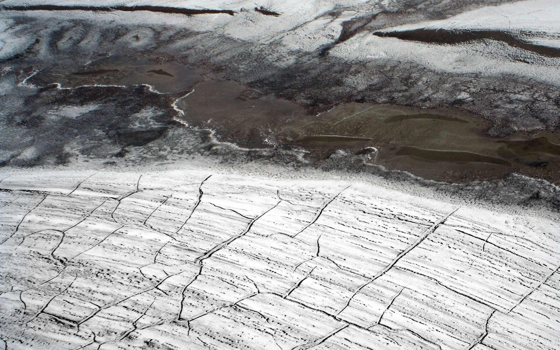 La fonte du pergélisol arctique pourrait émettre du protoxyde d'azote en grandes quantités, un gaz à effet de serre 300 fois plus puissant que le dioxyde de carbone et destructeur de la couche d'ozone. © Brocken Inaglory, Wikimedia Commons