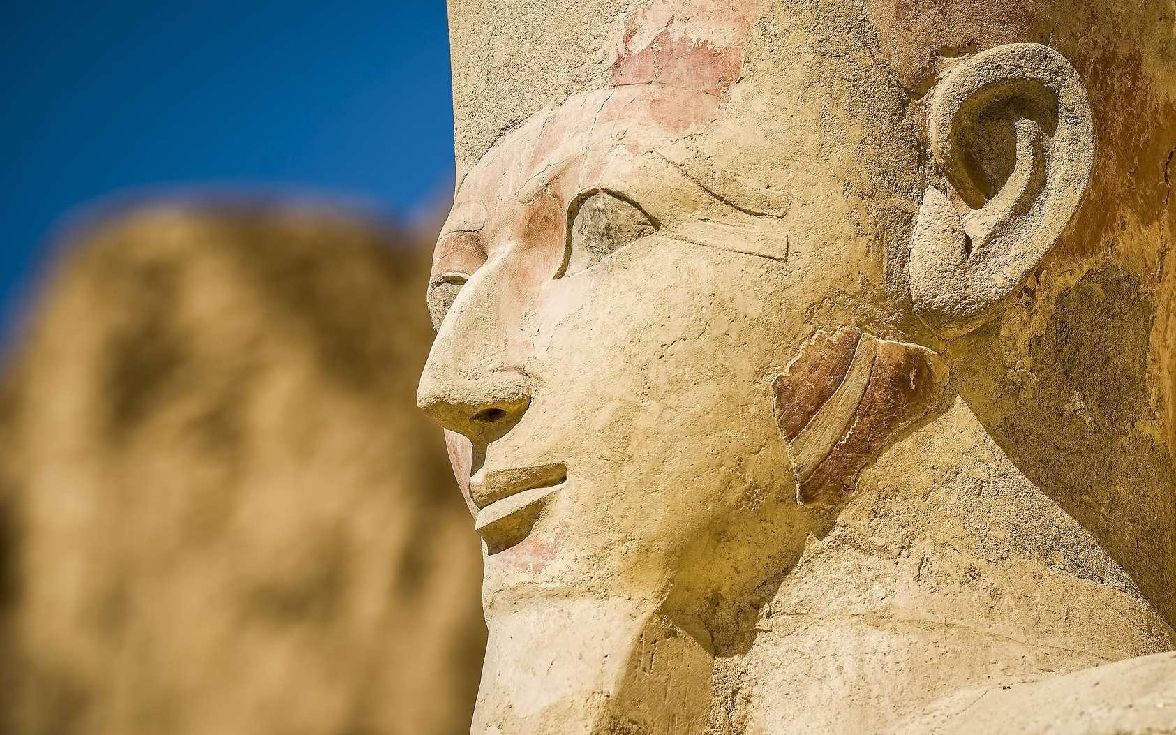 Qui sont les plus grands pharaons de l'Égypte ancienne ? Ici, le sphinx de Gizeh ; son visage pourrait représenter celui de Khéops. © BlackMac, Fotolia