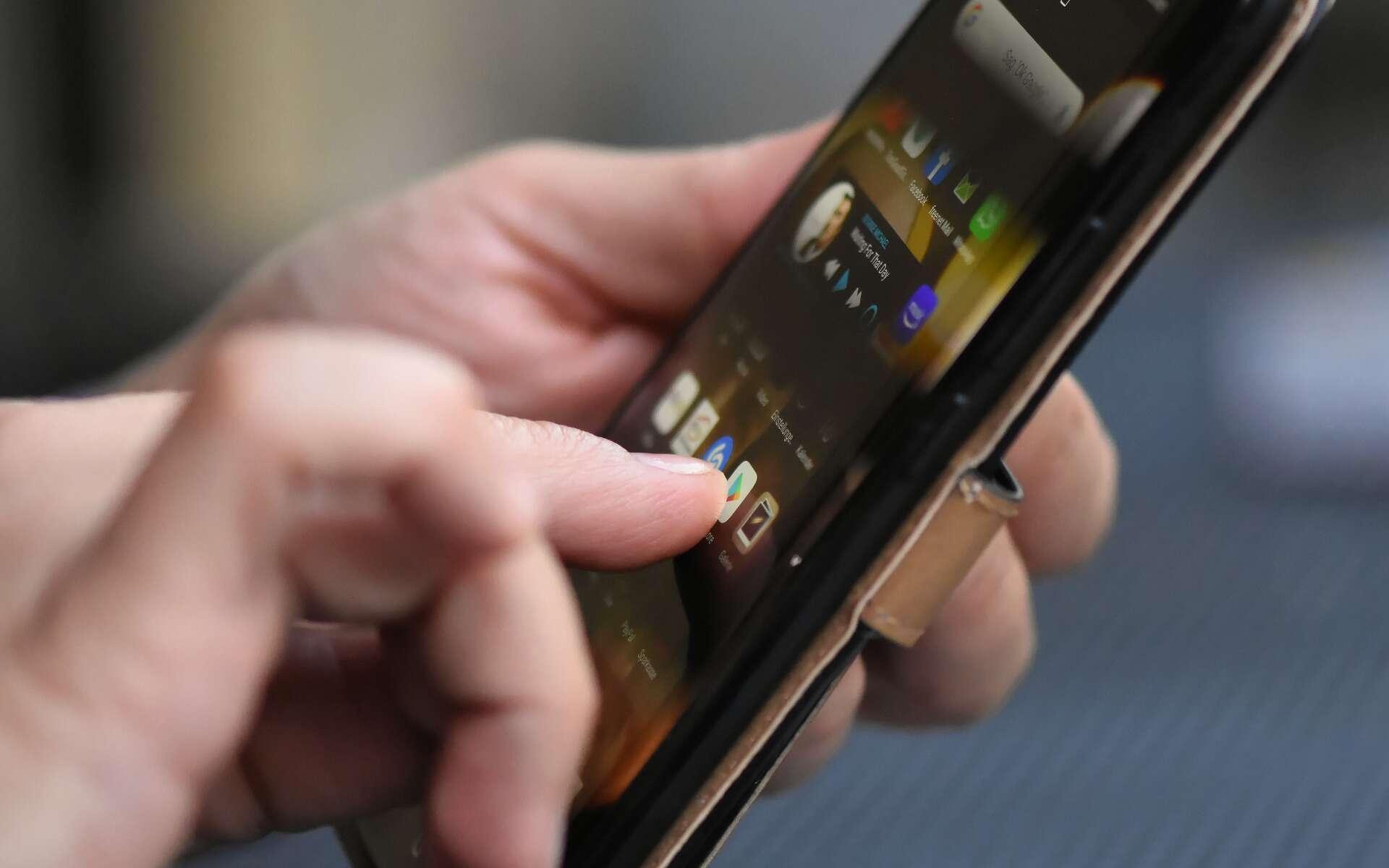 Il faut se méfier des applications qui demandent l'accès à certaines fonctions du smartphone. © Alexas Fotos