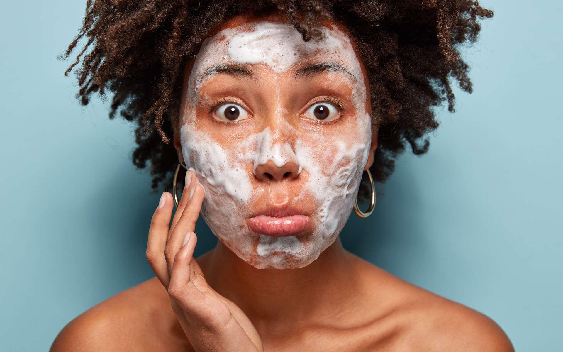 Des composants « toxiques » dans certains produits cosmétiques, selon le magazine 60 millions de consommateurs. © Wayhome Studio, Adobe Stock