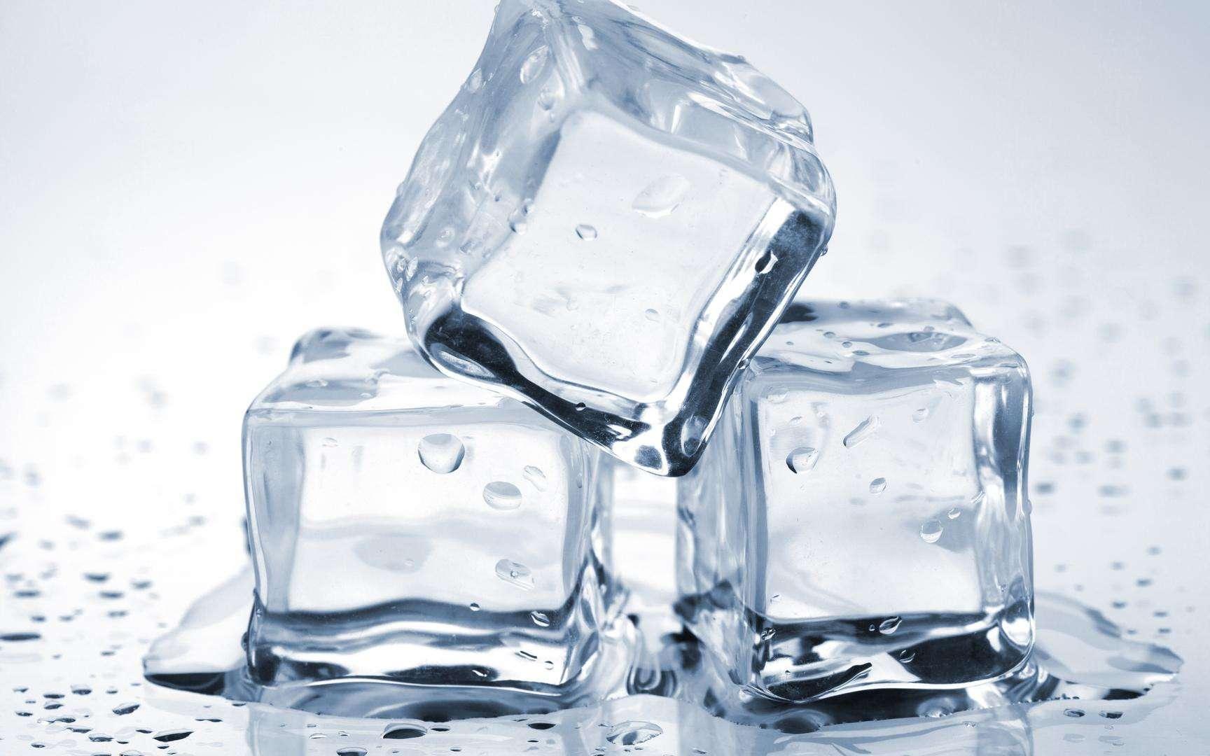 Grâce à de petites astuces, il est possible d'empêcher la glace de fondre trop rapidement. © Evgeny Karandaev, Shutterstock