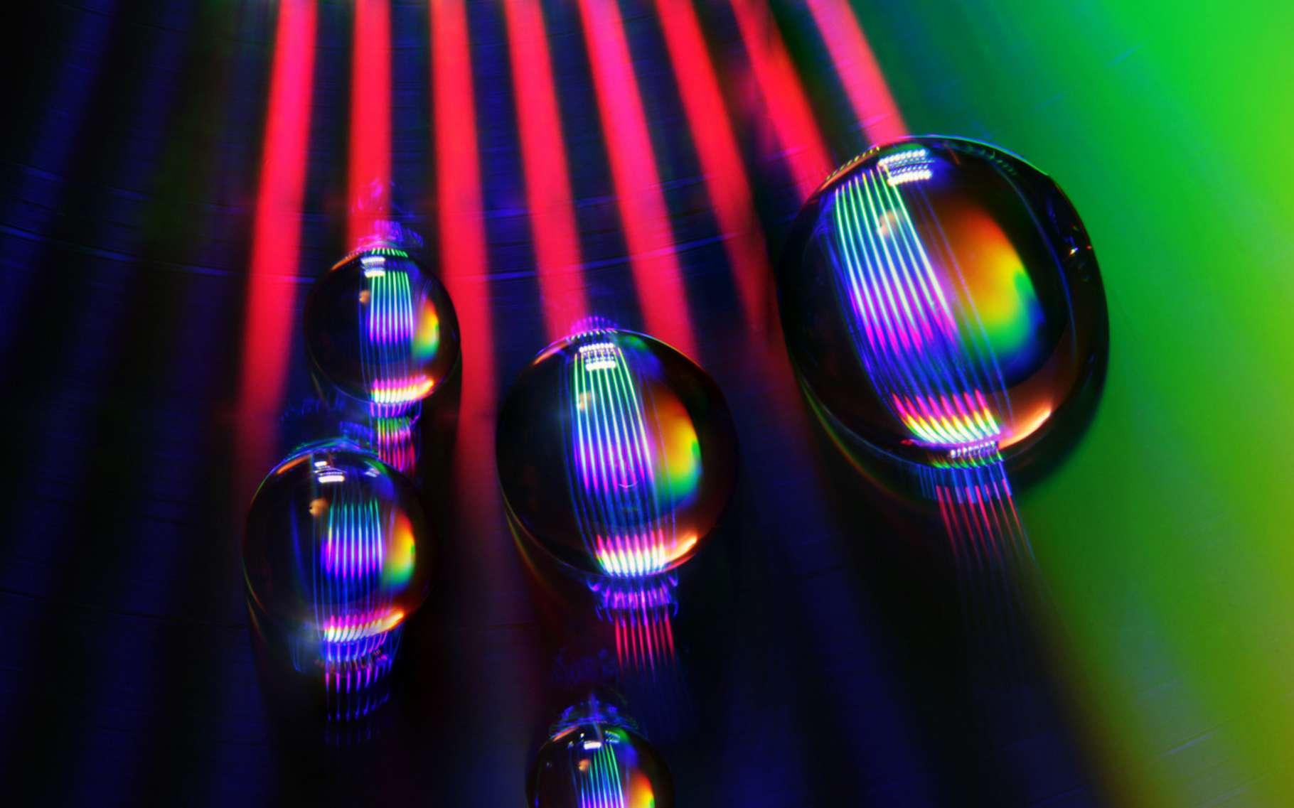L'intérêt du laser sonique inventé par les chercheurs de Rochester est qu'il opère à une échelle mésoscopique comme celle des gouttelettes de liquide ou des petits organismes biologiques. © Photo Tom, Fotolia