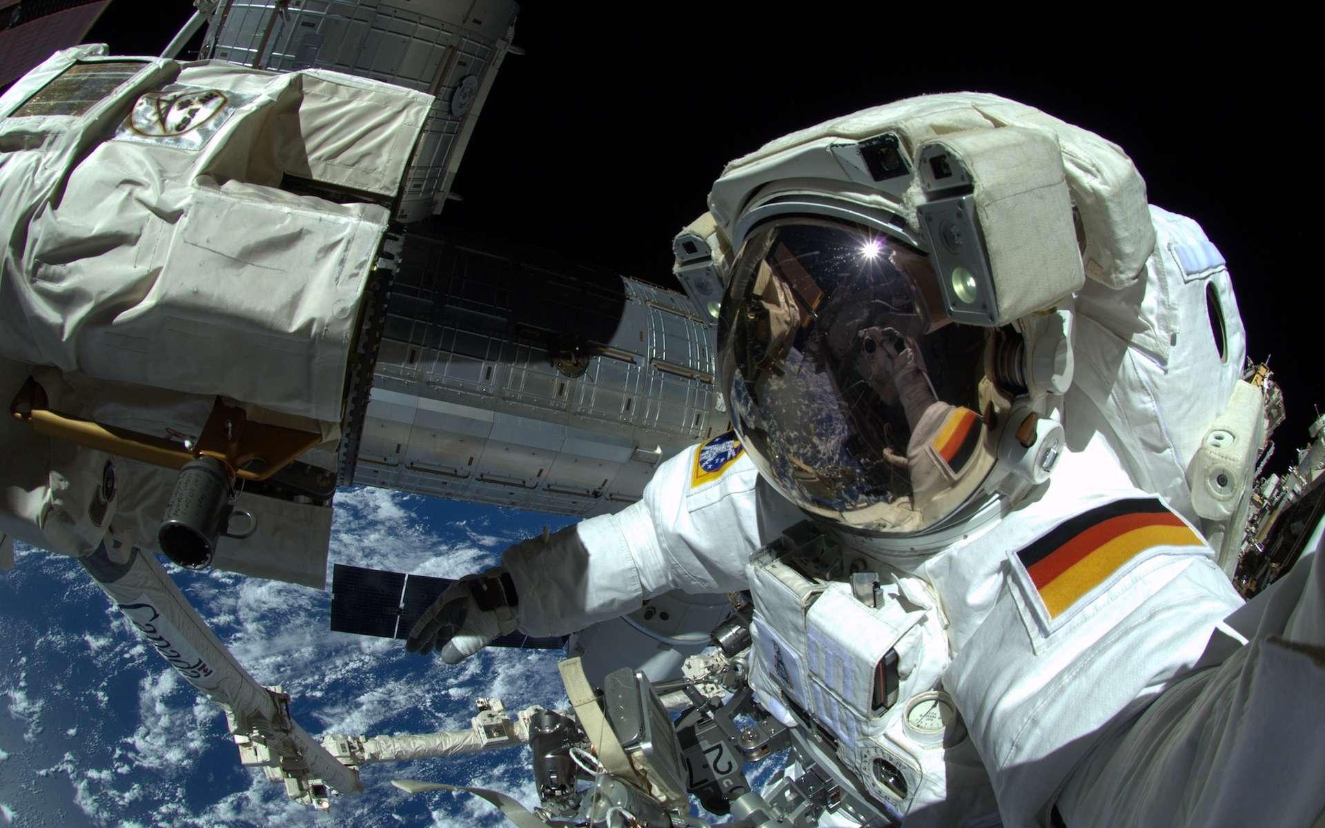 L'astronaute allemand Alexander Gerst lors d'une sortie dans l'espace en 2014. © Esa