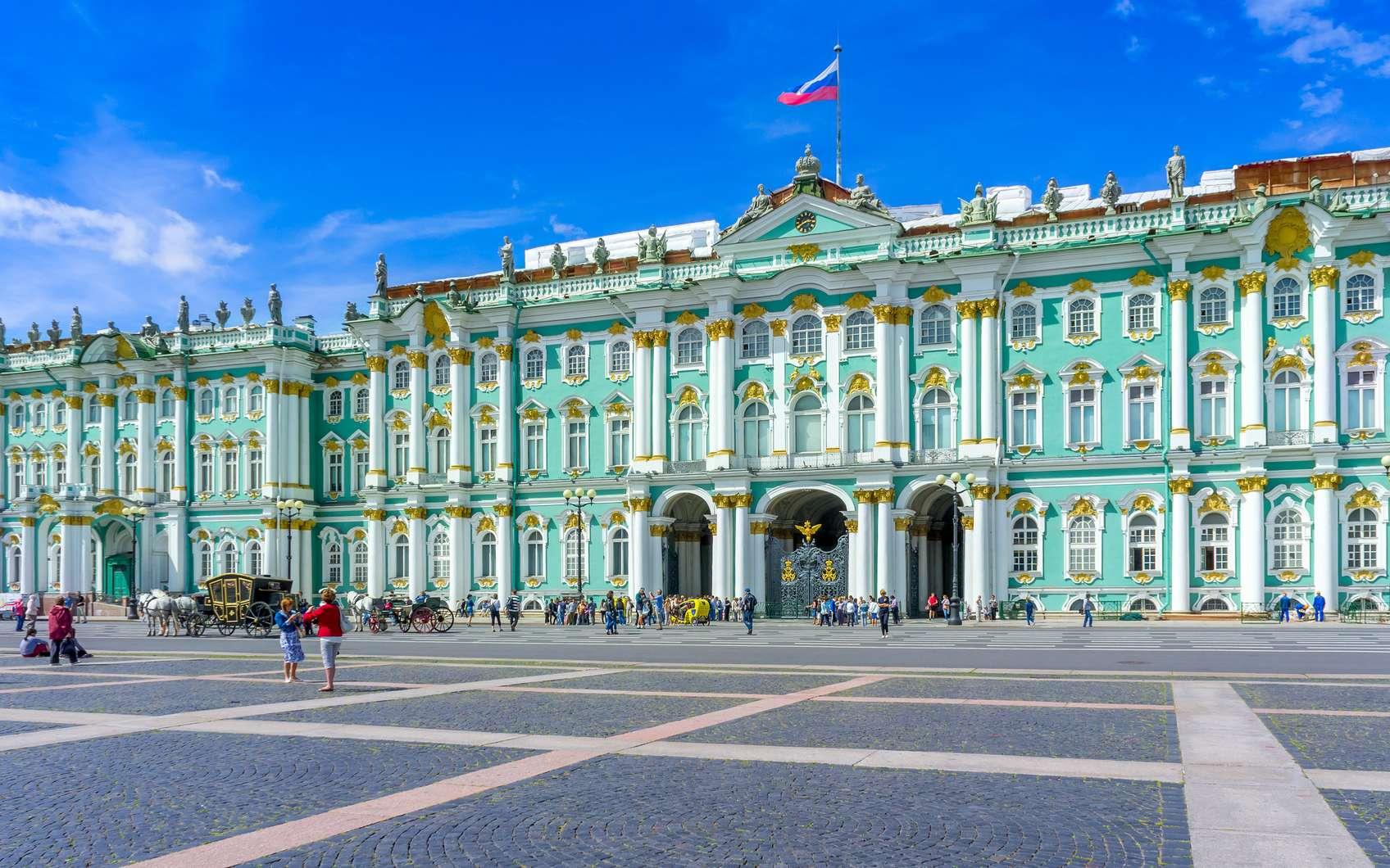Le palais d'hiver, qui compose l'Ermitage, était autrefois la résidence des empereurs russes. © den781, fotolia