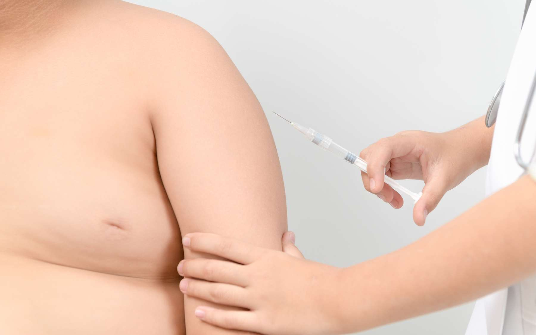 Les personnes obèses sont plus susceptibles de tomber malades même lorsqu'elles sont vaccinées. © kwanchaichaiudom, Adobe Stock