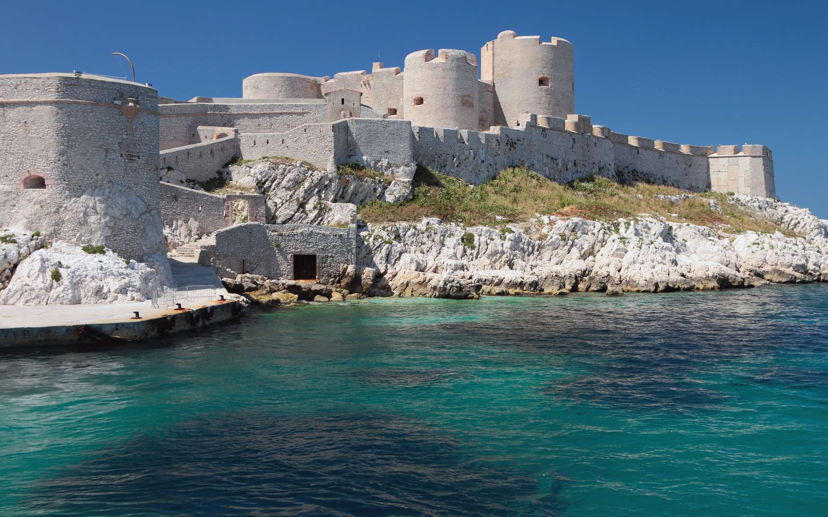 Le légendaire château d'If à Marseille, un site à visiter. © photobeginner, fotolia