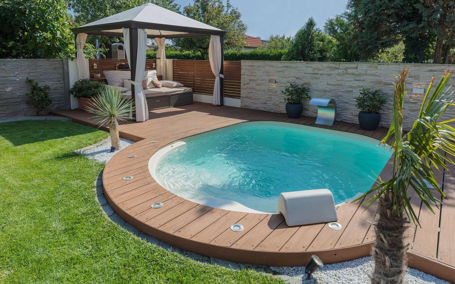 Les mini-piscines sont tout aussi bien équipées que les grandes et permettent de profiter d'un espace de détente et de bien-être même dans les plus petits jardins. © Waterair