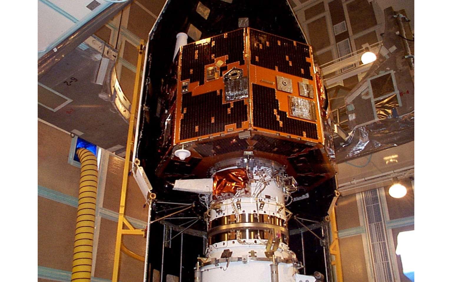 Le satellite Image à bord de son lanceur. © Nasa
