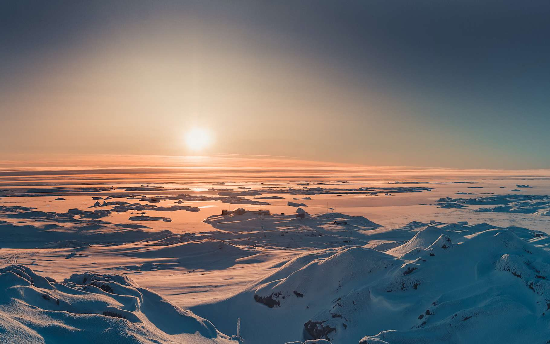Des chercheurs de l'université du Kent (Royaume-Uni) ont trouvé, sur un sommet de l'est de l'Antarctique, des preuves d'un événement météoritique d'importance datant d'il y a 430.000 ans. © Goinyk, Adobe Stock