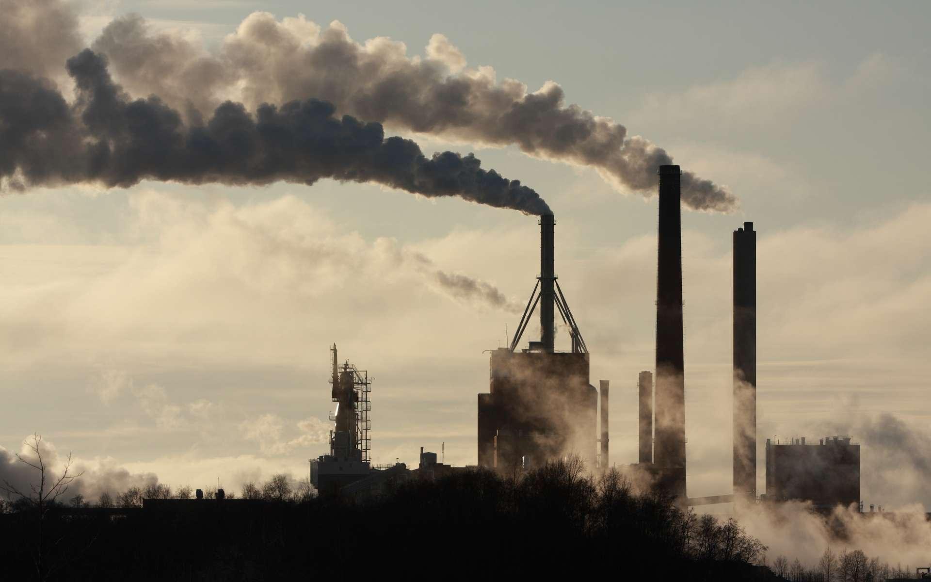 Dans le monde, la pollution atmosphérique a causé la mort de sept millions de personnes en 2012, selon l'Organisation mondiale de la santé (OMS). Avec plus de la moitié de la population humaine vivant en ville, la qualité de l'air en milieu urbain est devenue un enjeu de santé publique. Il faut la réduire mais aussi en prendre conscience, et s'y adapter. La visualiser autour de soi serait déjà une avancée. © Sandra Kemppainen, Shutterstock