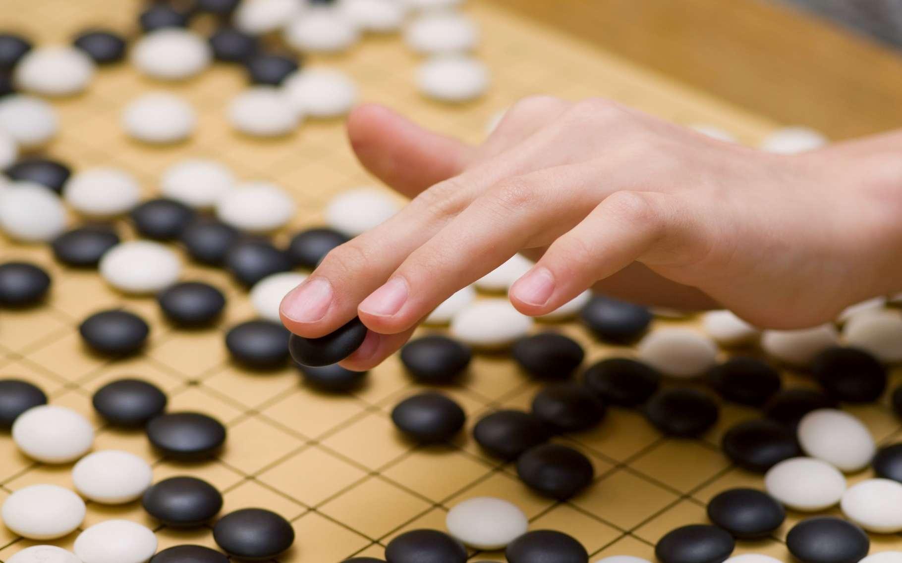 Après les trois victoires d'affilée d'AlphaGo dont le jeu semblait proche de la perfection, les observateurs commençaient à douter de la capacité de Lee Sedol à opposer une résistance. Sa victoire est un formidable démenti. © Bork, Shutterstock