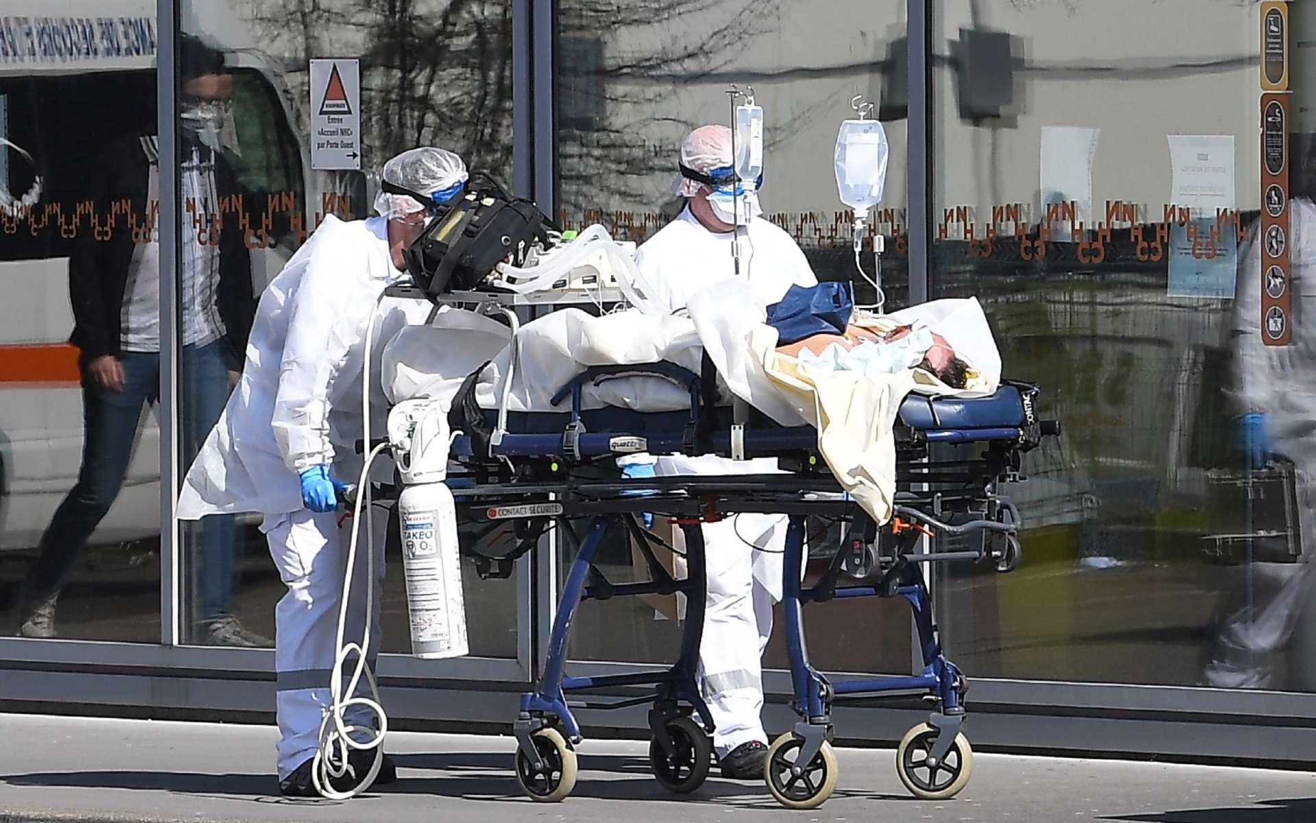 Face au Covid-19, des médecins demandent un confinement beaucoup plus radical. © Patrick Hertzog, AFP
