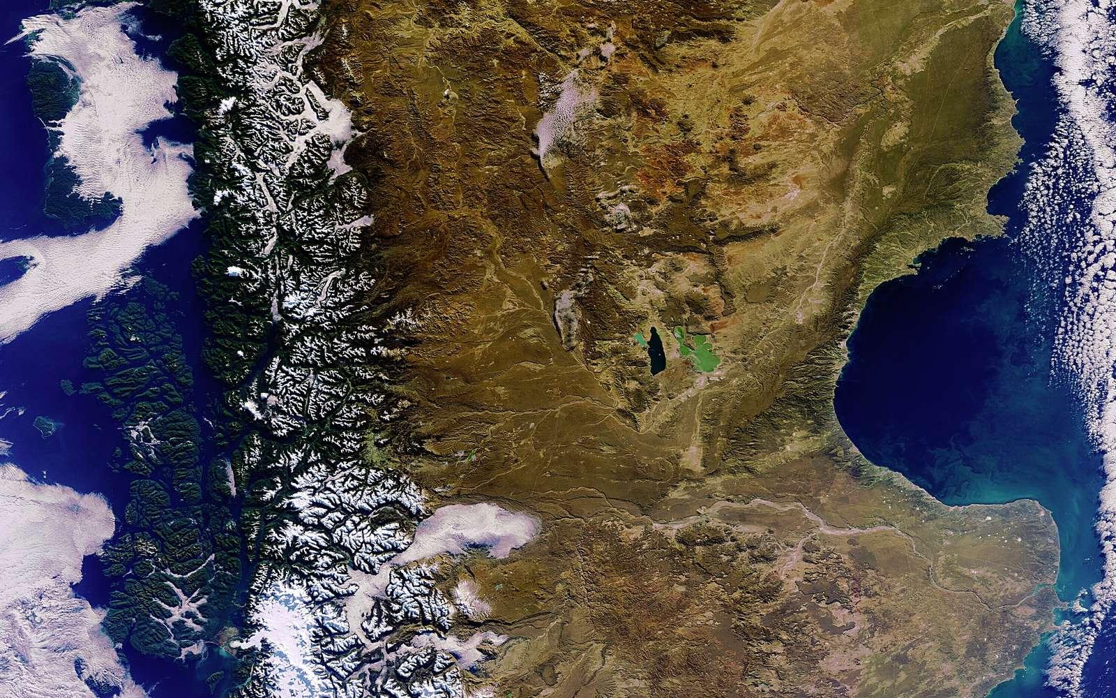 La pointe australe de l'Amérique du Sud photographiée le 3 juin 2011 par la caméra Meris du satellite Envisat. © Esa