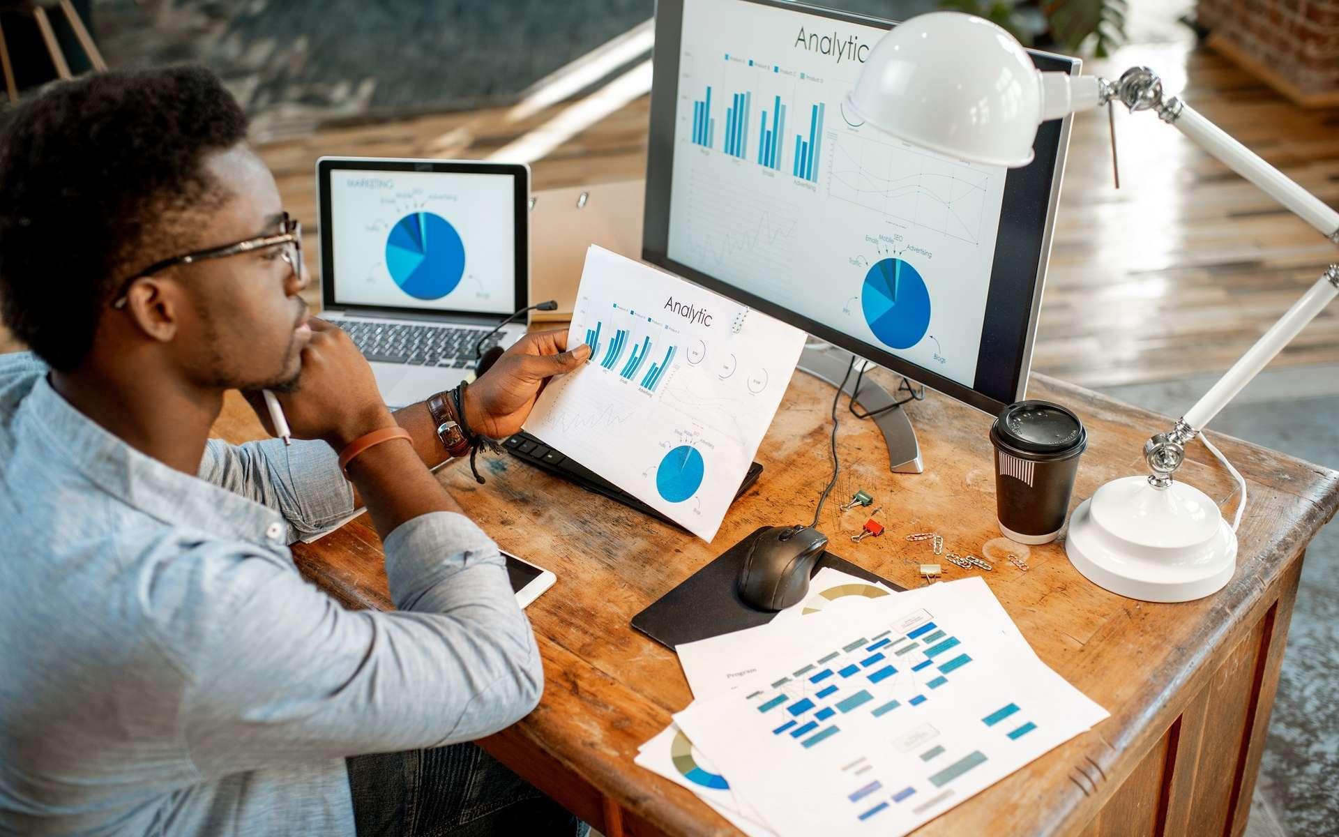 Confrontées à un afflux massif de données, les entreprises recherchent de plus en plus des data analyst, capables d'analyser et de valoriser cette mine d'informations. © rh2010, Adobe Stock.