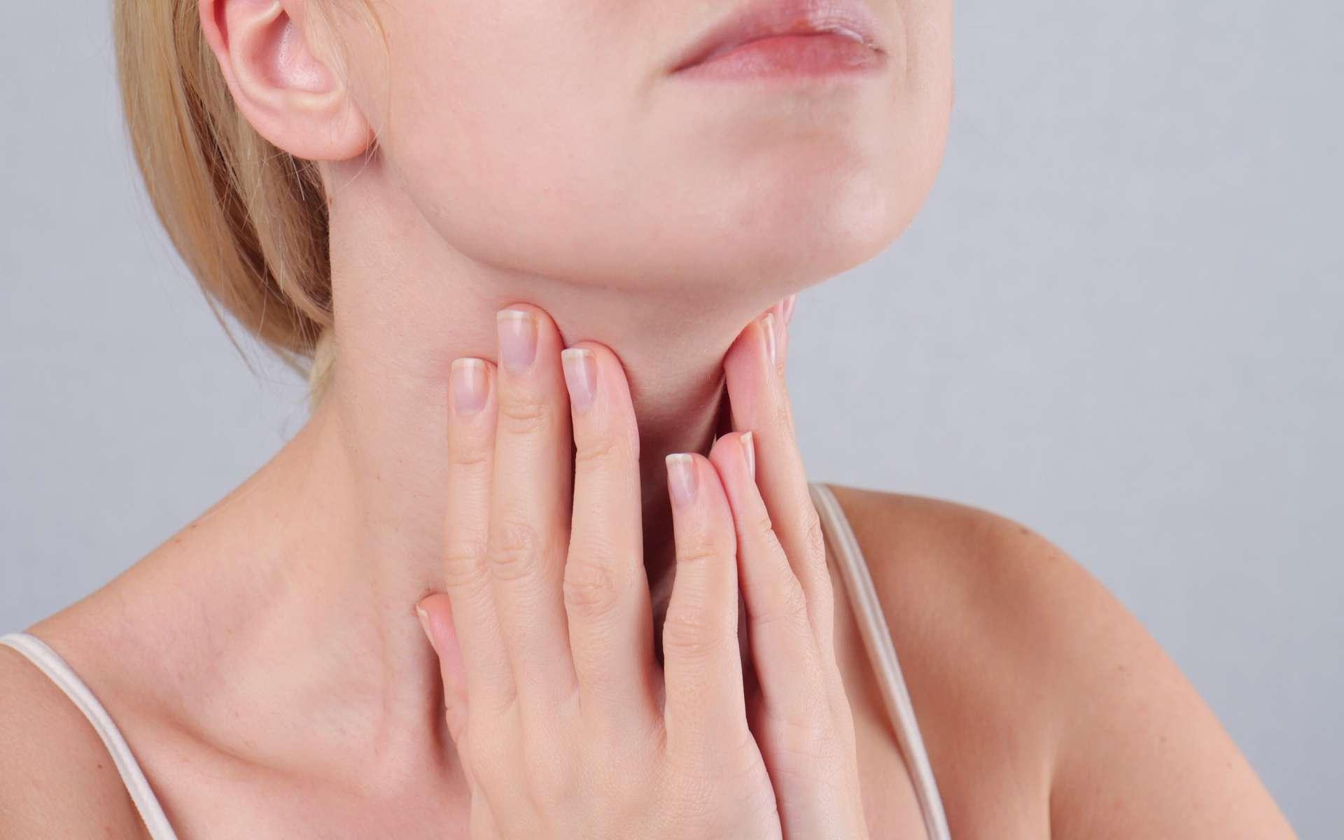 Le cancer de la thyroïde est en hausse depuis plusieurs décennies en France. Y a-t-il trop de diagnostics et de traitements inutiles ? Quel lien établir avec Tchernobyl ? © Albina Glisic, Shutterstock