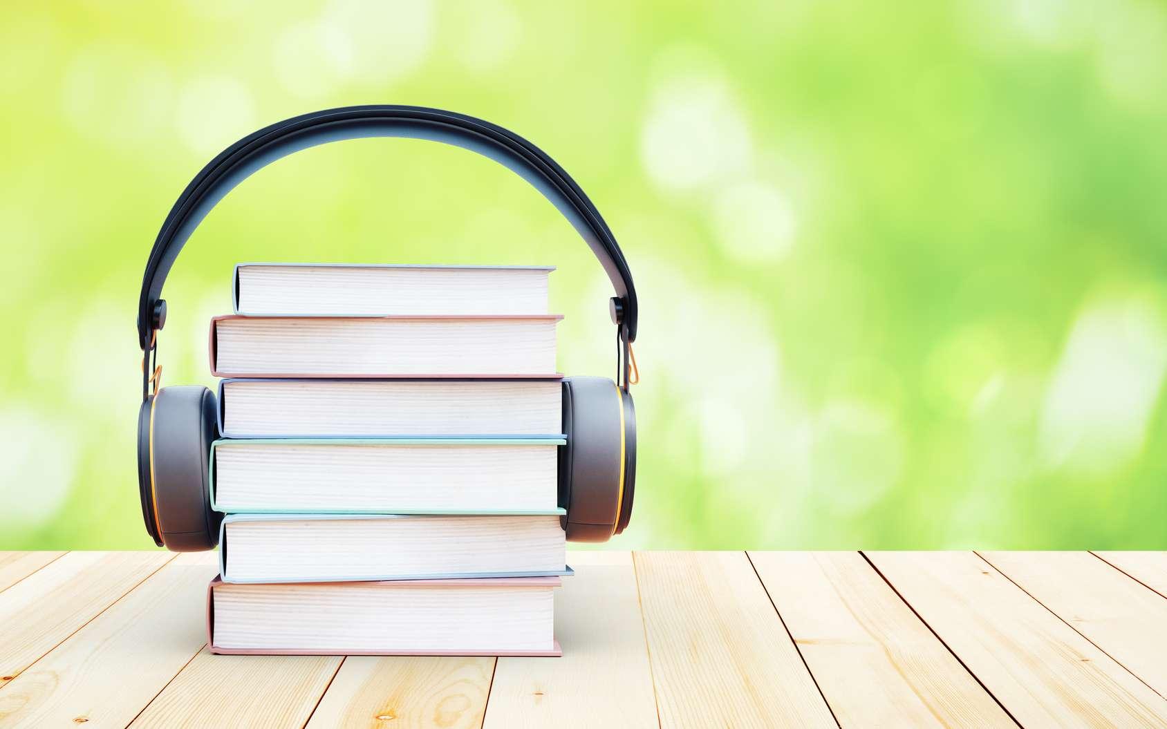 Lire ou écouter, c'est du pareil au même pour le cerveau. © peshkov, Fotolia