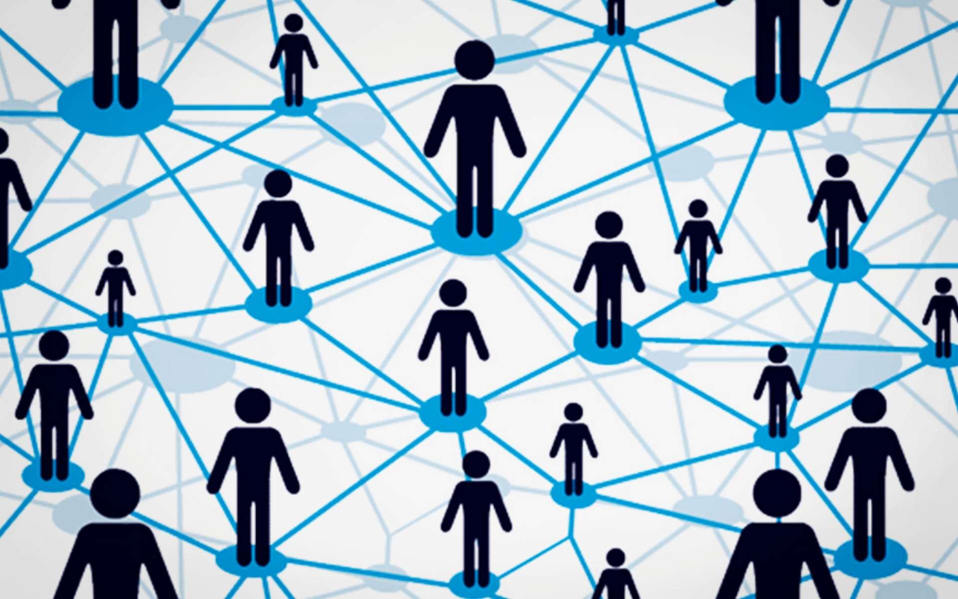 Au sein d'un réseau peer-to-peer, chaque appareil connecté forme un noeud. Le rôle de ces noeuds dépendra de l'application et du protocole utilisé. Entre ces noeuds transitent des données, lesquelles peuvent être de différentes natures.Puisqu'aucun serveur tiers n'est nécessaire pour faire le relai d'un envoi de données, un réseau peer-to-peer permet ainsi de garantir un certain anonymat. Par la même occasion cela permet également de passer outre les règles de filtrage pouvant éventuellement être mises en place par les fournisseurs d'accès à Internet, voire par les autorités de censure dans certains pays. Notons également que ces transferts sont chiffrés.Quelques usages du P2PLe P2P a été rendu populaire par plusieurs types d'applications. La technologie a initialement essuyé une mauvaise image en étant largement associée aux échanges de contenus illégaux au travers d'applications de transfert de fichiers comme Emule au début des années 2000. Concrètement, le logiciel transforme l'ordinateur en serveur et chaque contenu téléchargé localement sur les ordinateurs des autres utilisateurs se retrouvent également mis à disposition de la communauté. Plus le nombre de sources (seeds) pour un même fichier est important, plus rapide sera le téléchargement.Toutefois le peer-to-peer est également utilisé dans bien d'autres usages. La société BitTorrent, qui exploite ce modèle de réseau, a créé la société Resilio Sync. Celle-ci repense le transfert de fichiers à la manière d'un cloud privé. Installé sur plusieurs ordinateurs et terminaux mobiles, l'application permet ainsi de récupérer et de synchroniser ses propres fichiers personnels sans passer par un serveur tiers.Le peer-to-peer peut être associé à d'autres protocoles comme IPFS. Il s'agit alors de mettre en place un Web décentralisé, plus sécurisé et plus rapide. Avec IPFS, le navigateur se transforme également en serveur en conservant les pages Web visitées pour les mettre à disposition plus rapidement qu'au travers du p