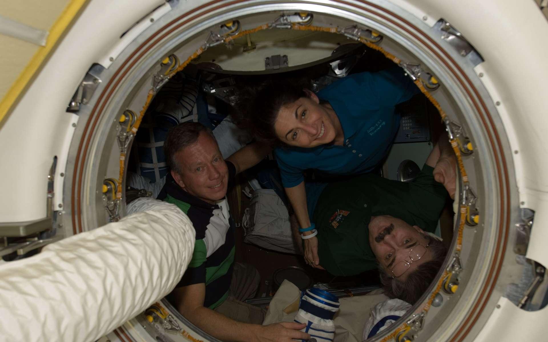Pour envoyer des hommes et des femmes à bord de la Station spatiale, la Nasa est contrainte d'utiliser les capacités russes bien plus longtemps qu'elle ne l'avait planifié. Les remplaçants américains de la navette ne pourront pas être opérationnels avant 2015, voire 2017. © Nasa