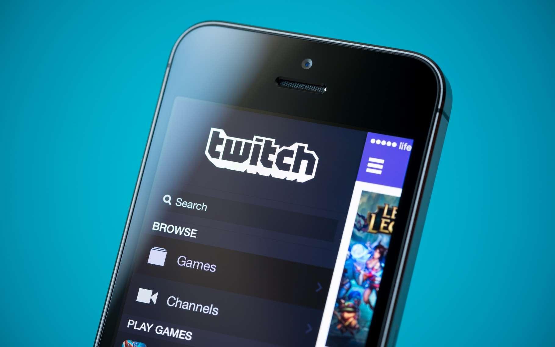 Lancé en 2011, Twitch est une TV en ligne entièrement dédiée à la diffusion de parties de jeux vidéo. Le service a été acheté par Amazon en 2014 pour plus de 730 millions d'euros. © Bloomua, Shutterstock