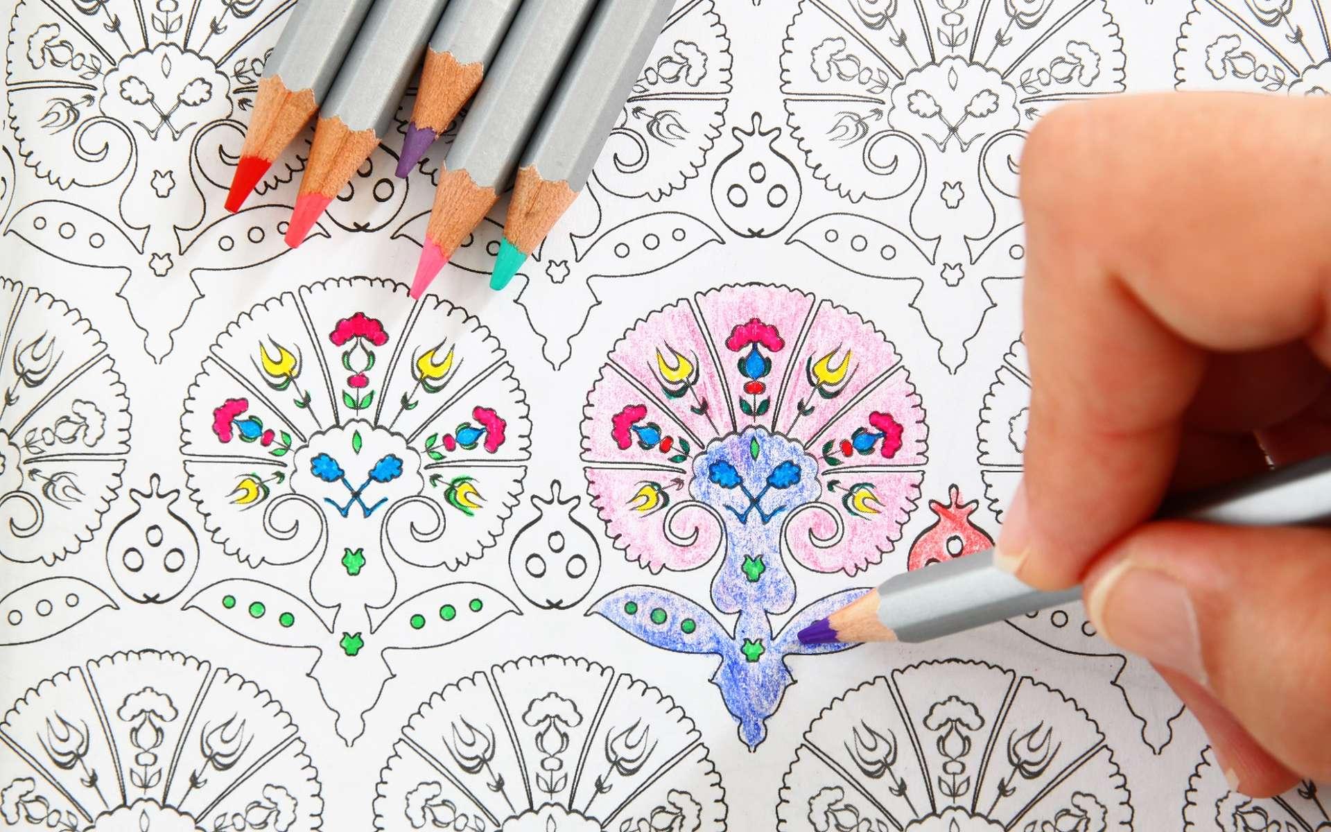 Les coloriages mandalas sont à la mode. Ils auraient un effet apaisant. © tomertu, Shutterstock
