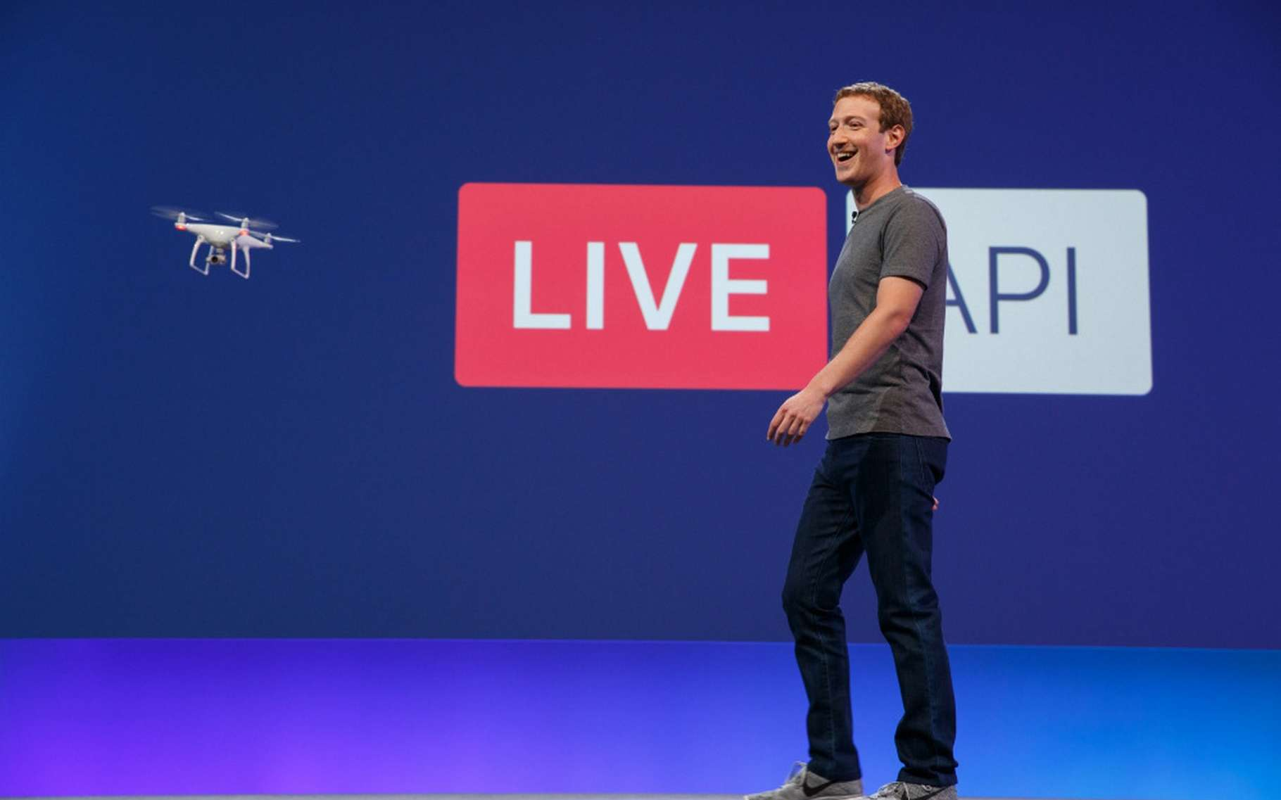 Lors de la conférence annuelle F8, Mark Zuckerberg, le patron de Facebook, a dressé la feuille de route pour les 10 années à venir. © Facebook
