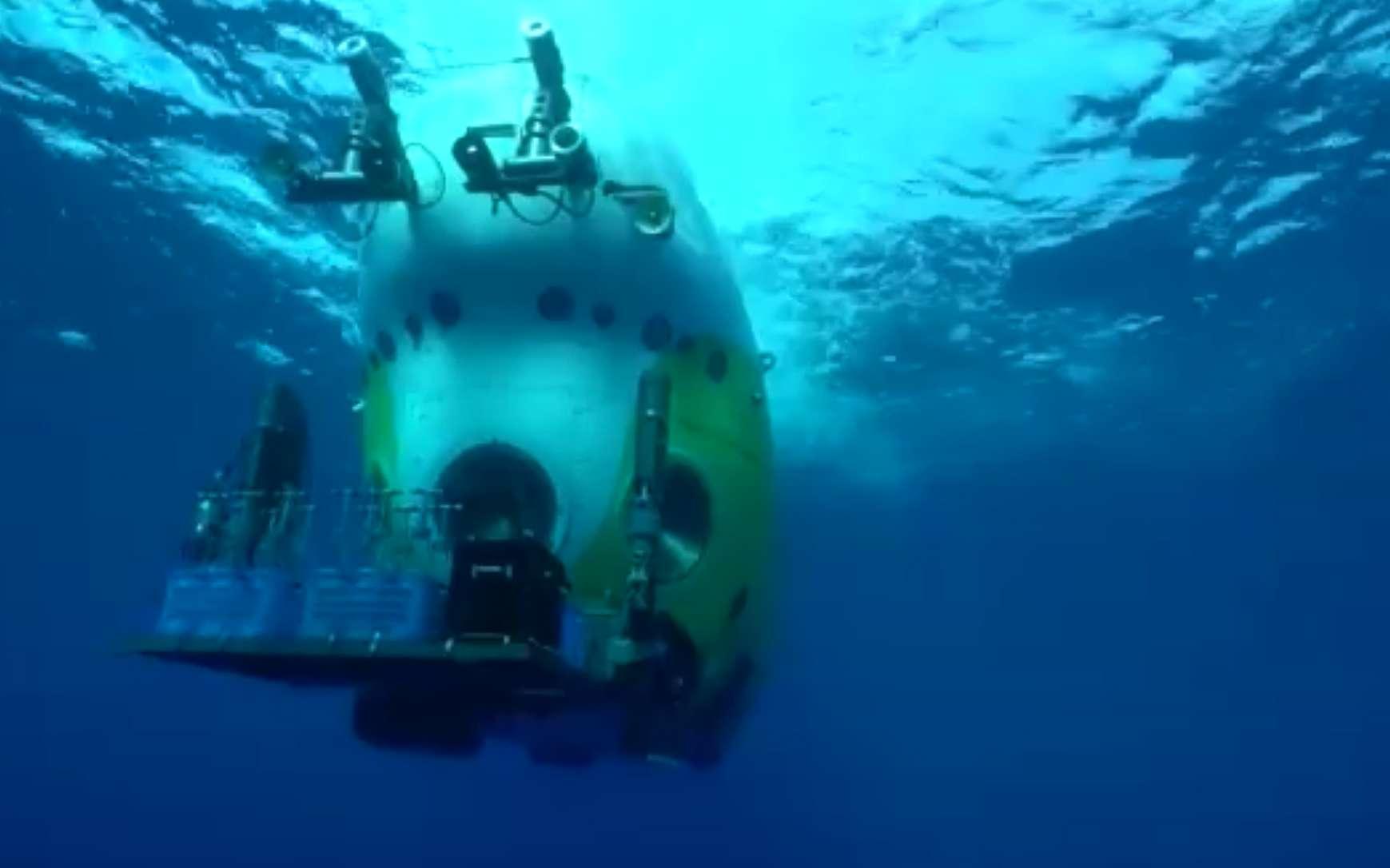 Fendouzhe, le sous-marin chinois qui a retransmis des images en direct depuis les abysses. © CGTN