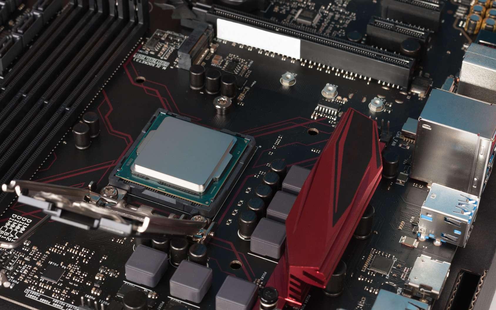 La mémoire cache d'un système informatique peut être intégrée au processeur tout ou partie. © Patrikslezak, Fotolia