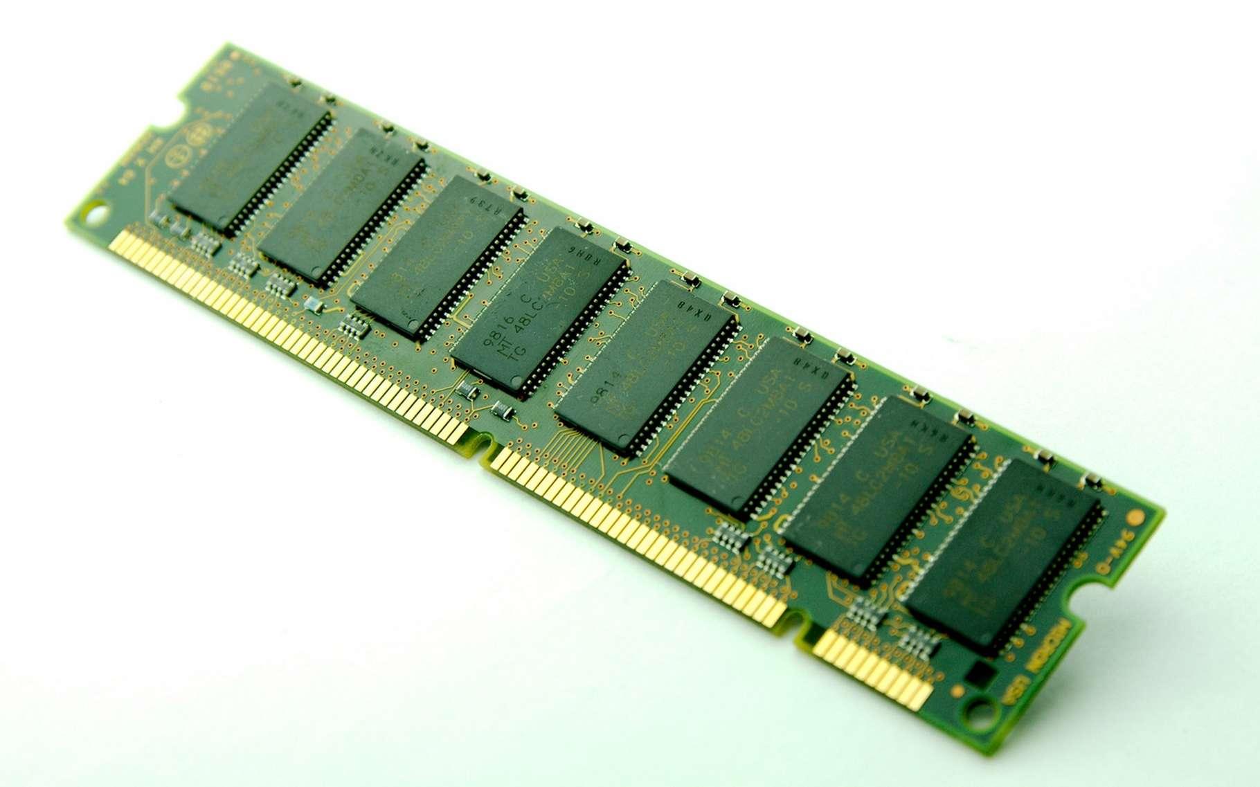 La mémoire DDR4 a encore de beaux jours devant elle. Sa remplaçante, la DDR5, ne devrait pas arriver sur le marché avant 2020-2021. © Luminaparis, Fotolia