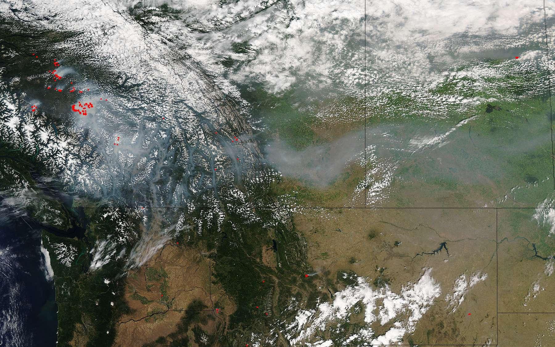 L'intelligence artificielle vient à la rescousse des satellites. Ici, feu repéré par le satellite Aqua de la Nasa, au sud de la Colombie-Britannique, au Canada. © Jeff Schmaltz, MODIS Land Rapid Response Team, NASA GSFC