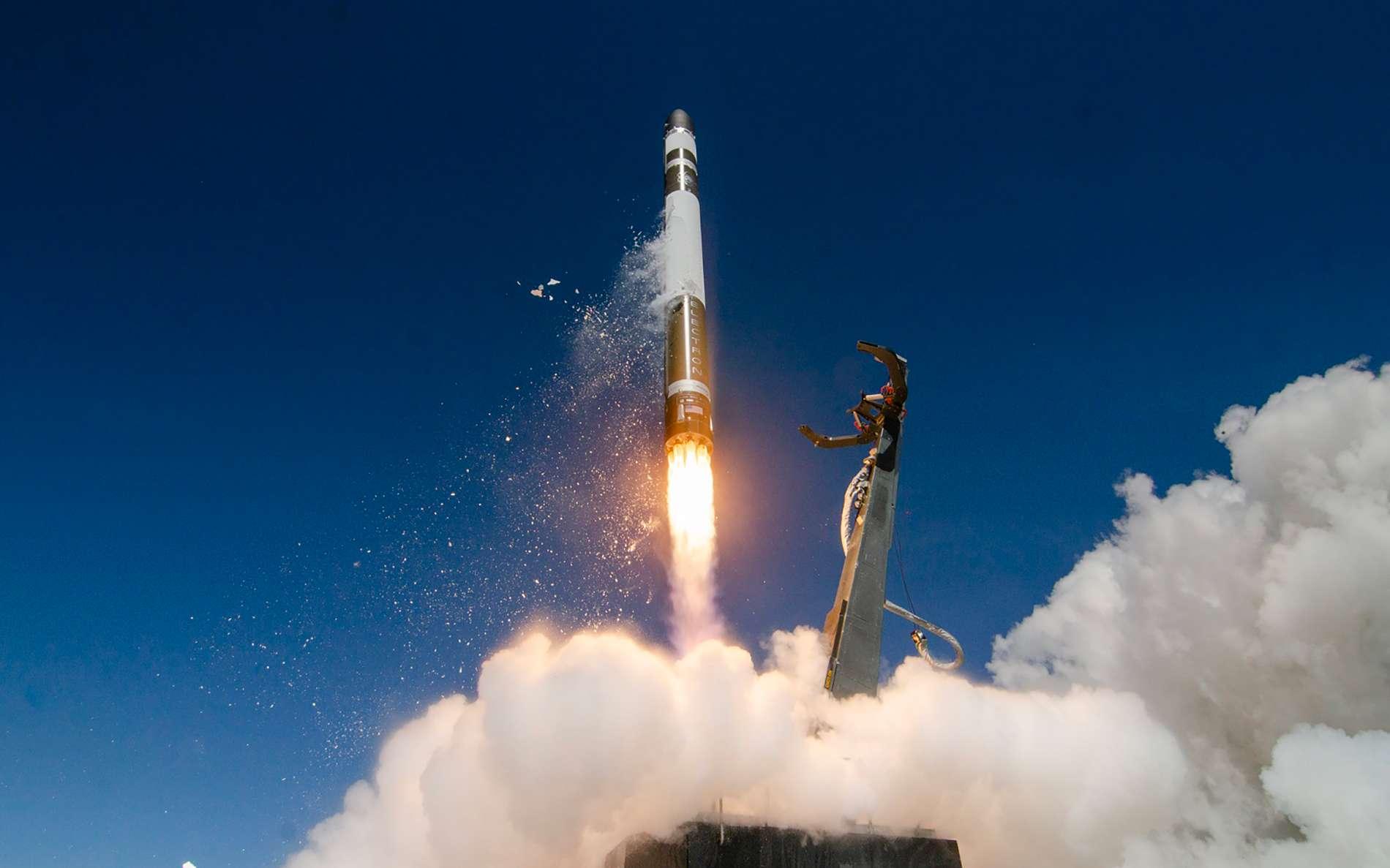 Décollage d'un lanceur Electron de Rocket Lab. © Sam Toms and Simon Moffatt