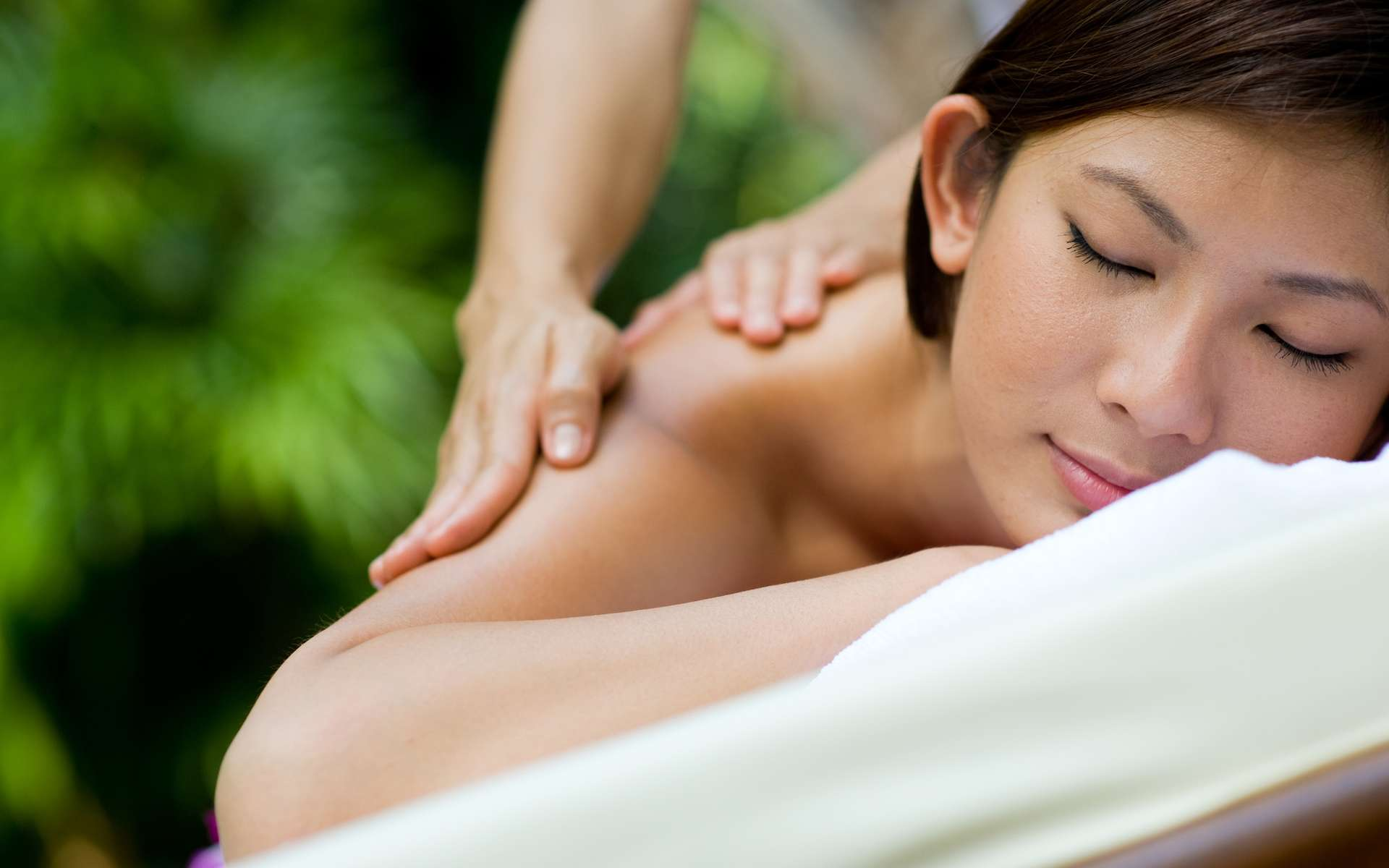 Le massage, une solution au stress quotidien. © EastWest Imaging – Fotolia