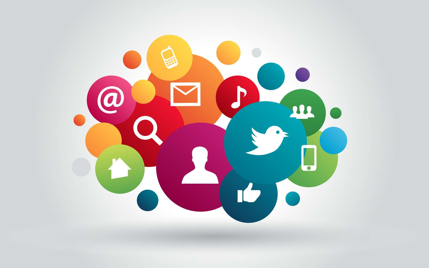 Notre e-réputation se crée via tous les réseaux sociaux, blogs, sites. © Julien Eichinger, Fotolia