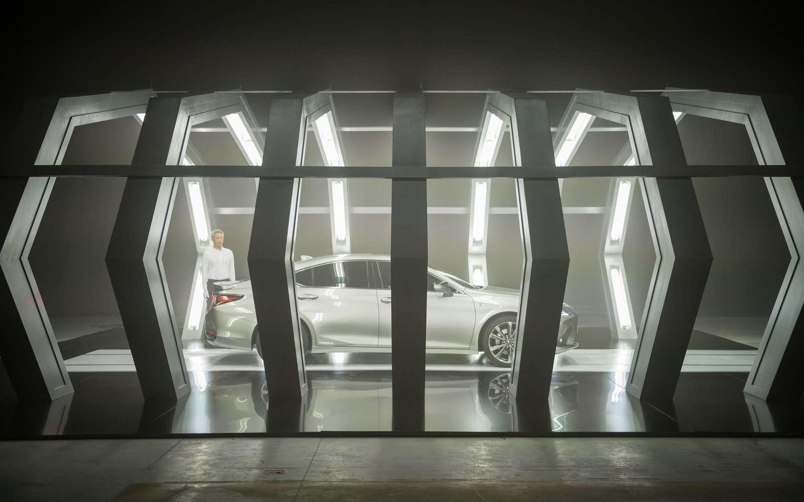 La Lexus ES est la nouvelle berline de luxe de la marque. © Lexus