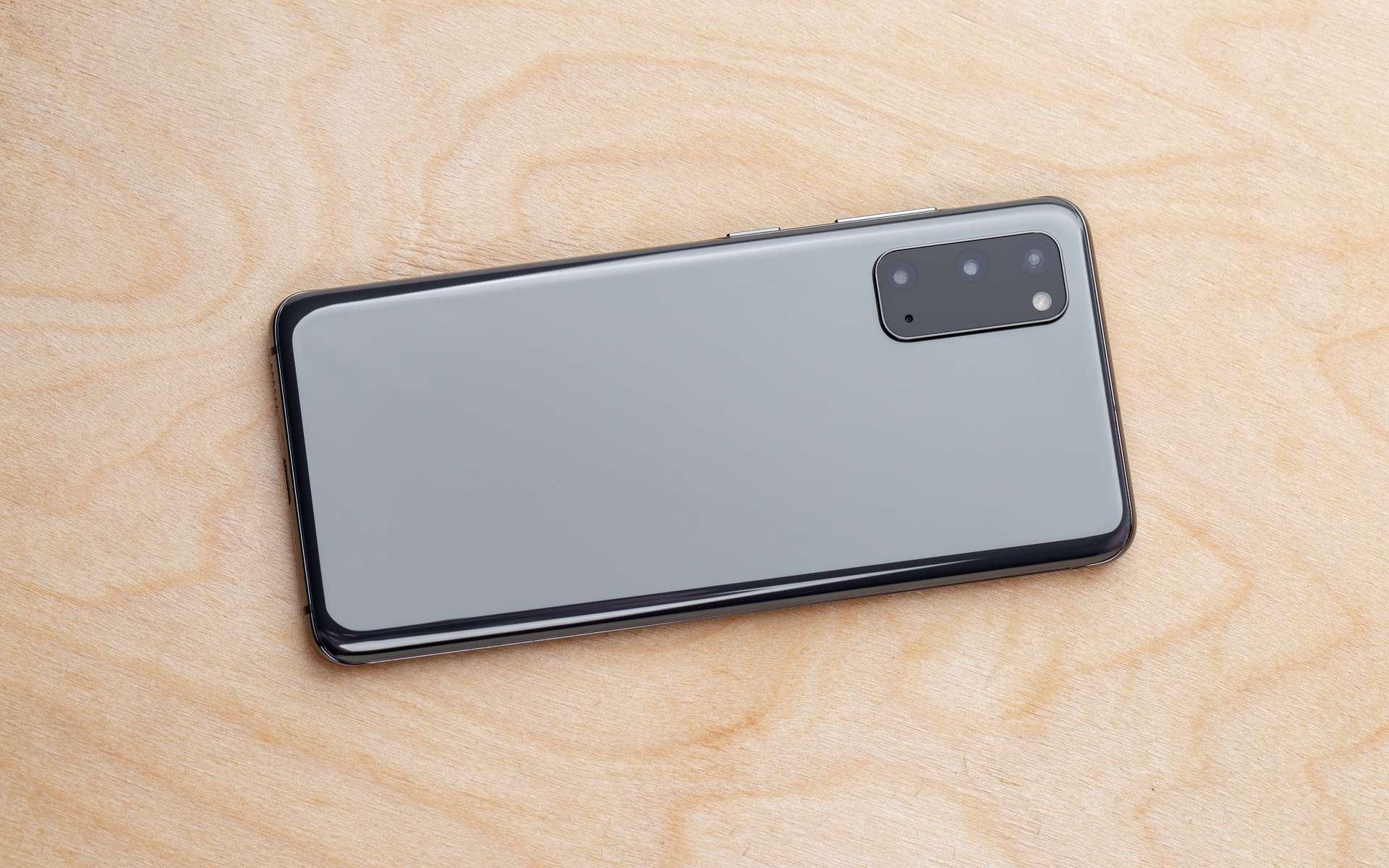 Orange casse le prix du Samsung Galaxy S20 5G pour le Black Friday 2020 © eremin, Adobe Stock