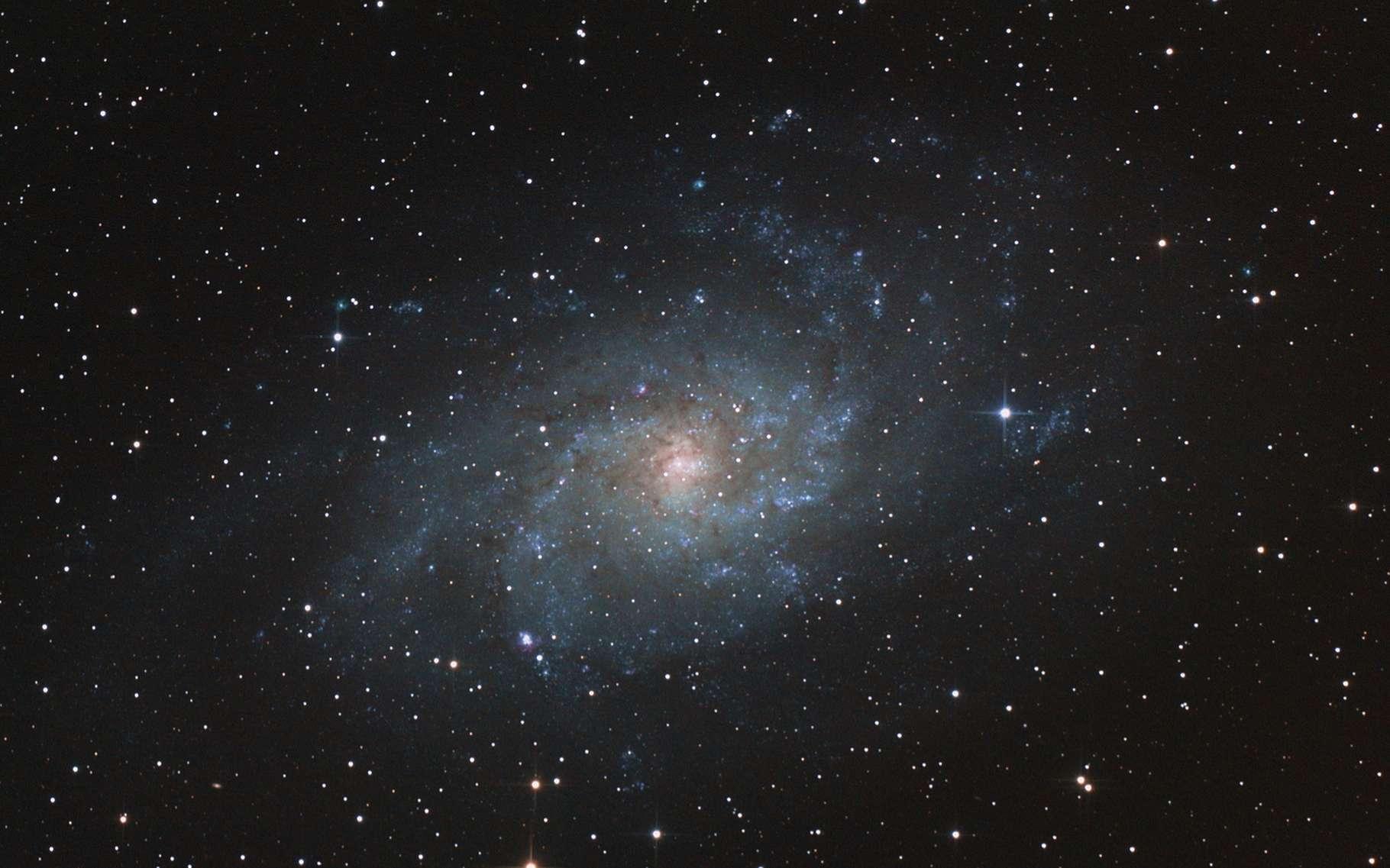 Selon des mesures réalisées par des astronomes australiens et britanniques, l'intensité de la force électromagnétique serait la même sur Terre et dans une galaxie lointaine. © Audrius Birbilas, Shutterstock