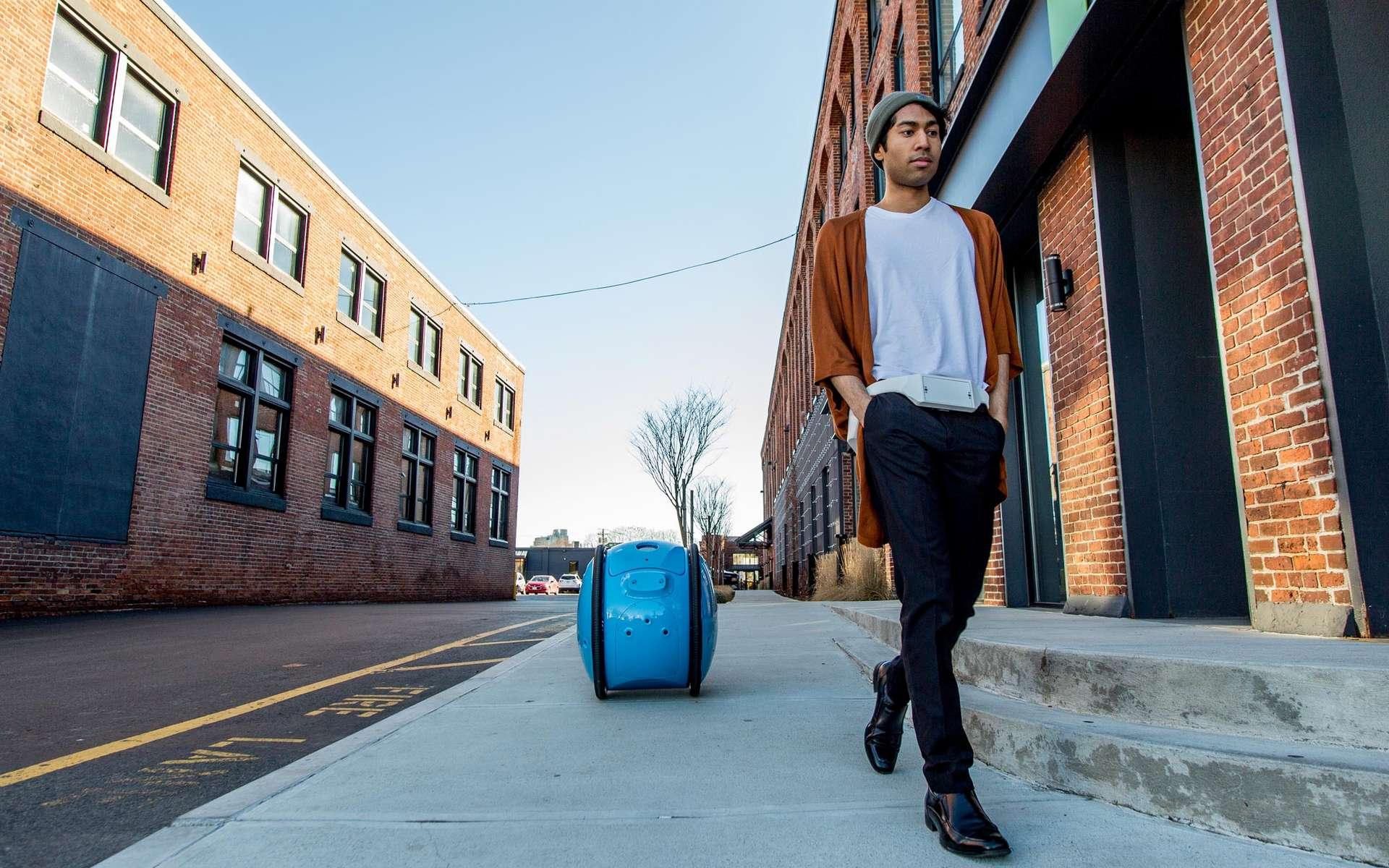 Le robot Gita signé Piaggio vous accompagne dans la rue. Il est destiné pour porter courses et objets à votre place, une sorte de caddie autonome du XXIe siècle. © Piaggio