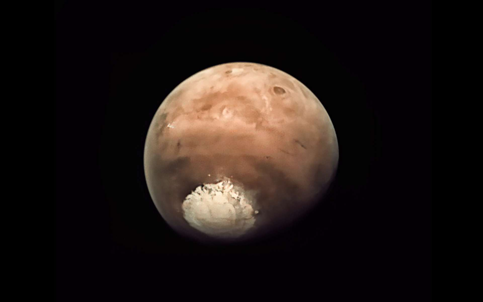 La calotte polaire sud de Mars vue par la webcam de la sonde Mars Express. Image retravaillée par Jason Major. © ESA, CC by-sa 3.0 IGO, Jason Major