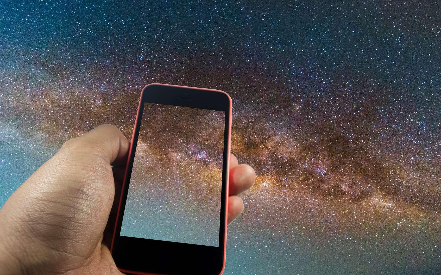 Les meilleures applications smartphone en astronomie. © Vittaya_25, fotolia