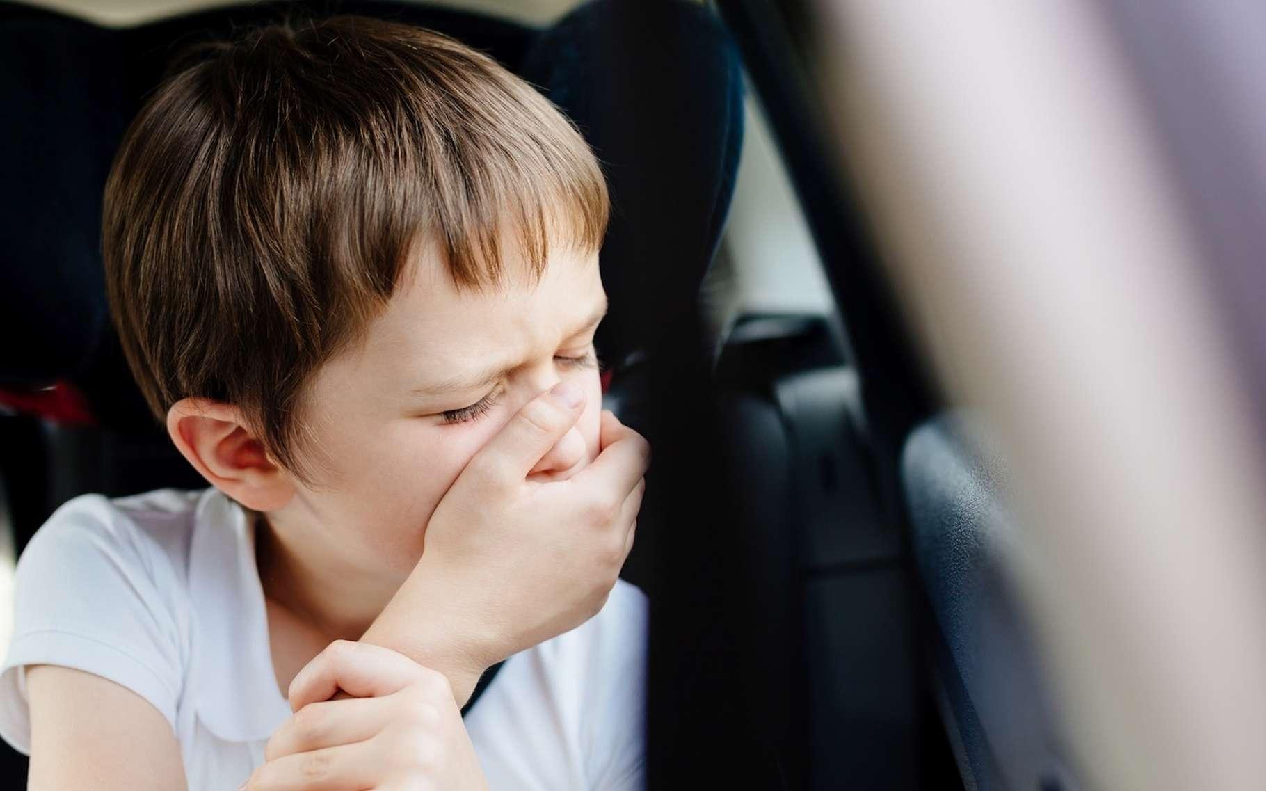Le mal des transports touche beaucoup les enfants. © Daniel Jedzura, Fotolia