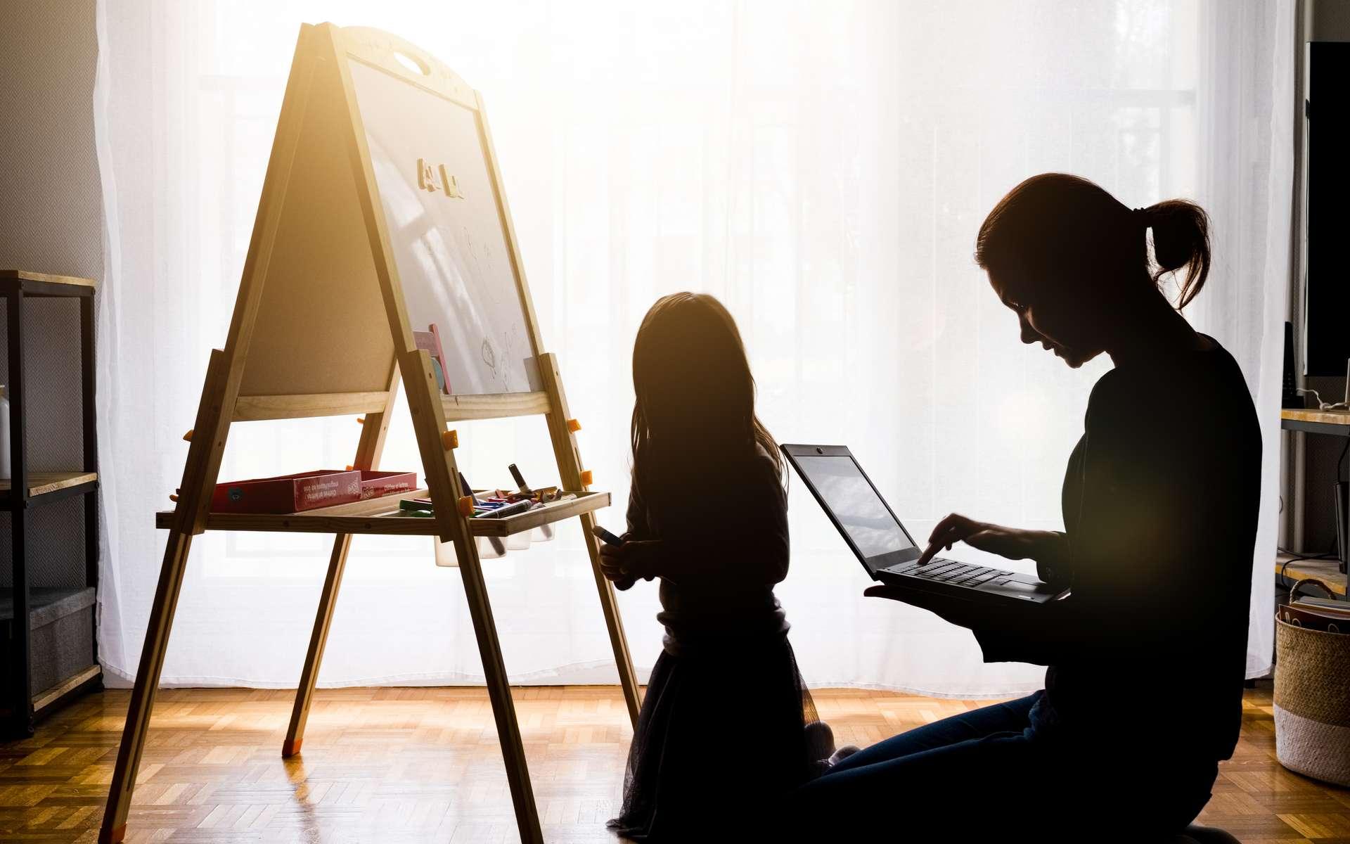 Découvrez sept conseils pour organiser votre télétravail efficacement. © shocky, Adobe Stock