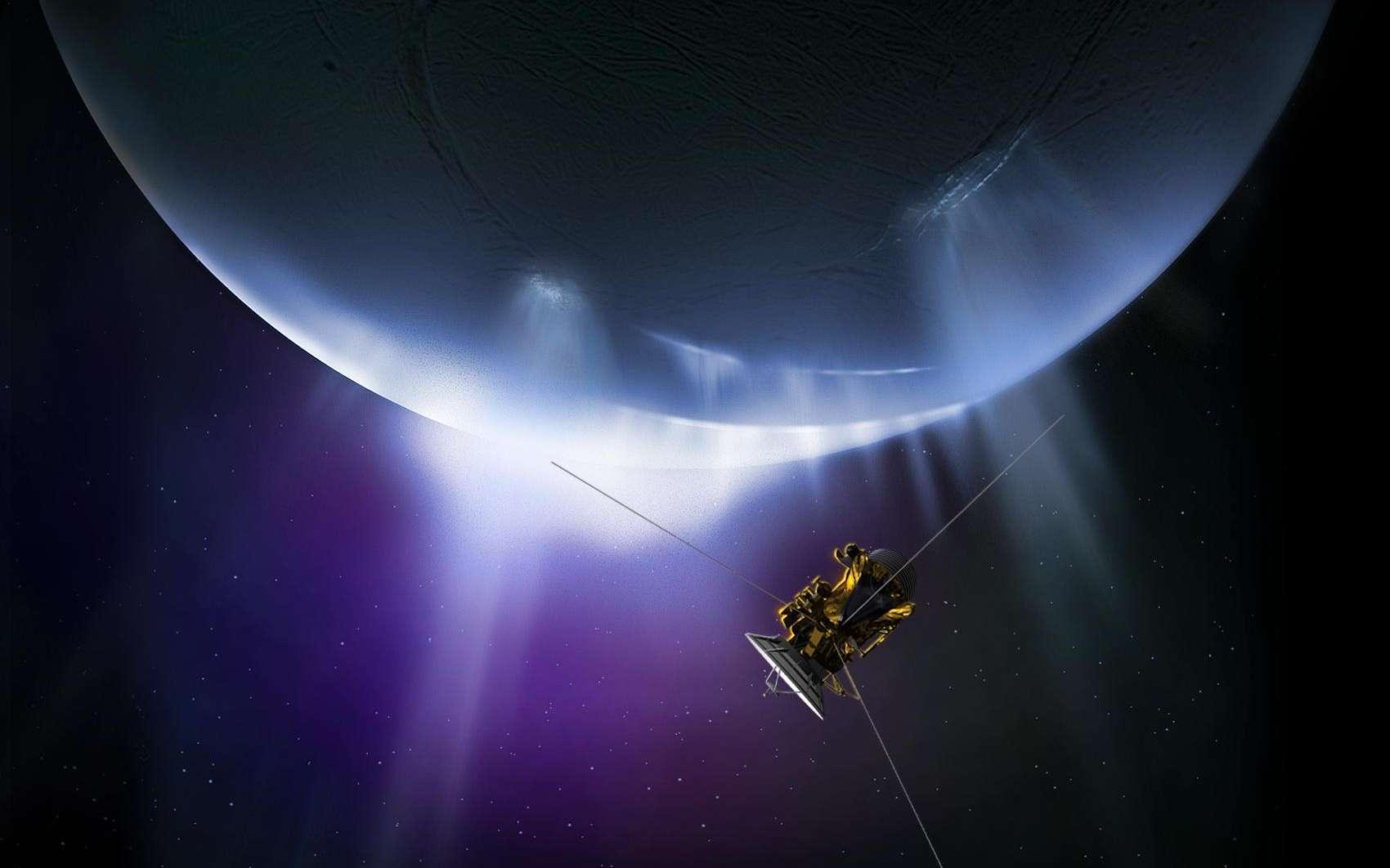 Le 19 décembre 2015, Cassini accomplira son dernier survol d'Encelade, petite lune glacée de Saturne où des geysers ont été observés pour la première fois par la sonde en 2005. Pour cette 22e approche, l'instrument CIRS va cartographier l'énergie émise de l'intérieur de l'astre. © Nasa, JPL-Caltech