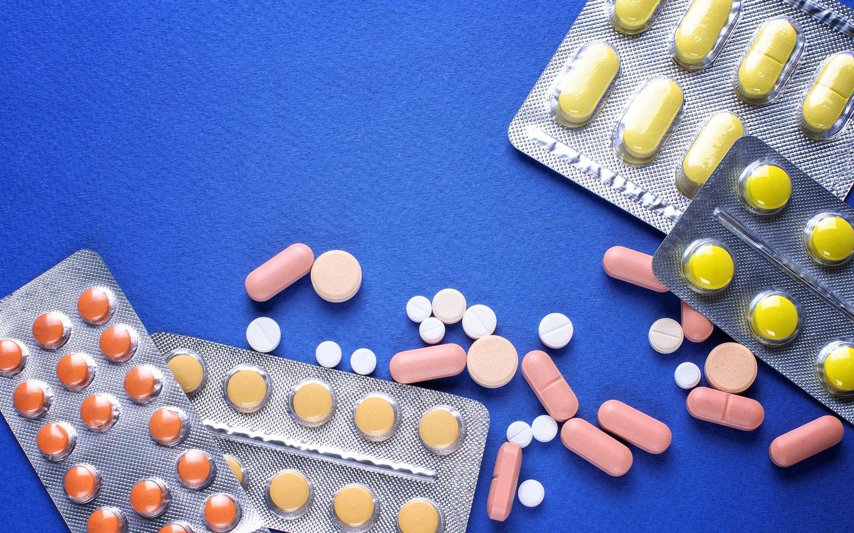 L'usage des antibiotiques favorise les infections à Clostridium difficile : c'est la « diarrhée des antibiotiques ». © VlaDee, Fotolia