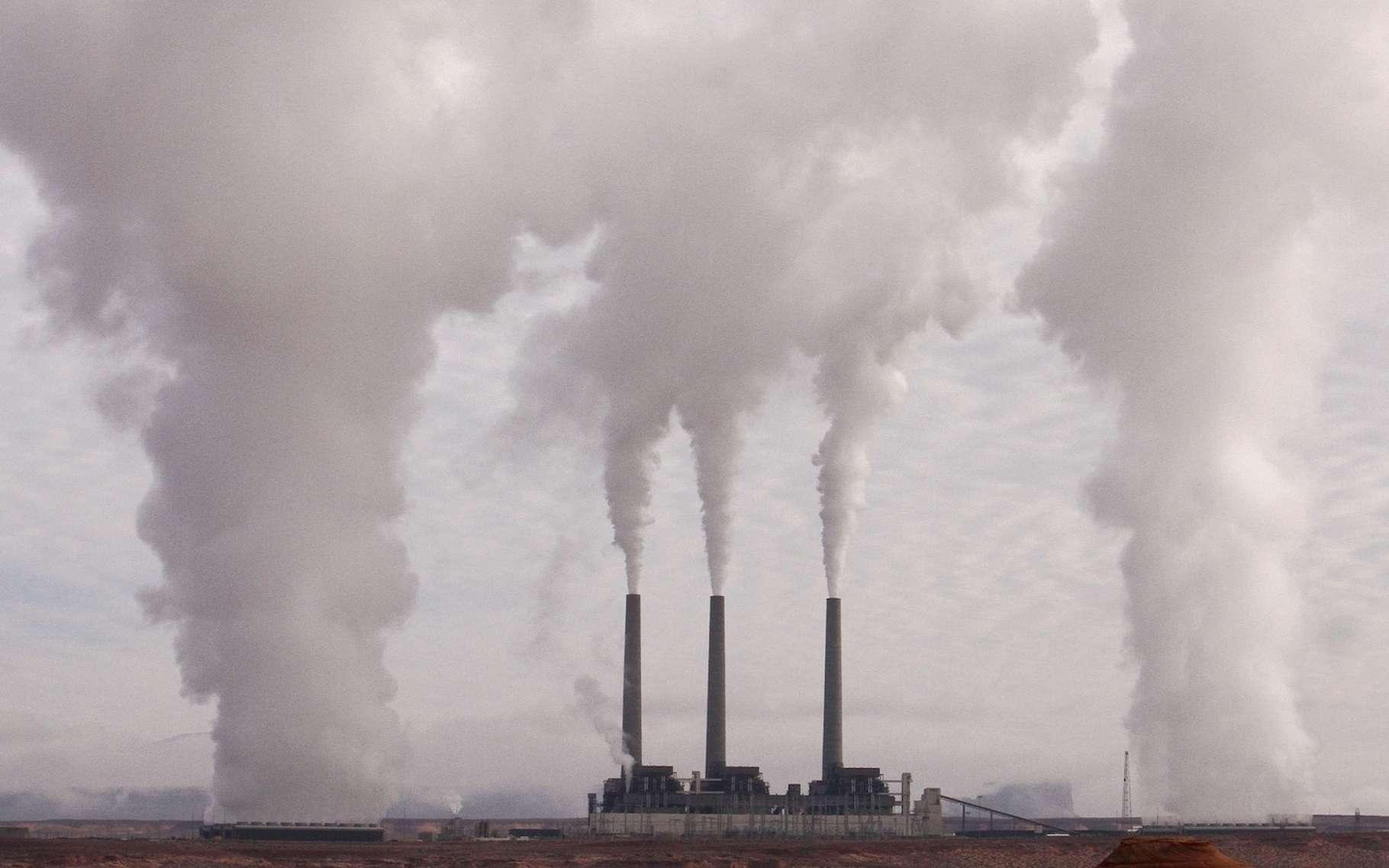 Le CO2 pollue notre environnement et contribue grandement au réchauffement climatique. De nombreux chercheurs travaillent au développement d'un matériau capable de capturer le CO2 atmosphérique. Et une équipe de l'université de Kyoto (Japon) propose aujourd'hui une nouvelle approche. © Pixource, Pixabay License